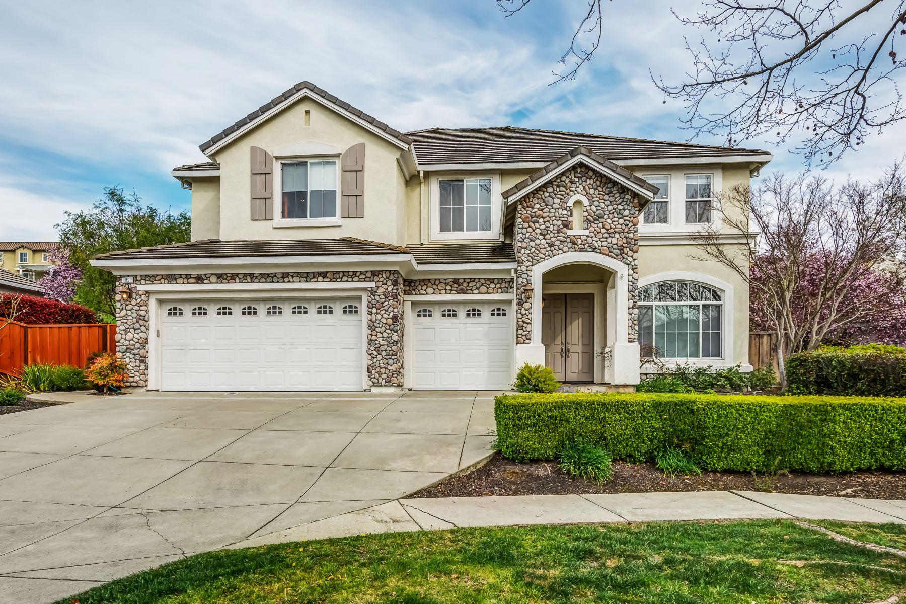 Single Family Homes para Venda às 69 Shelterwood Drive, Danville, CA 94506 Danville, Califórnia 94506 Estados Unidos