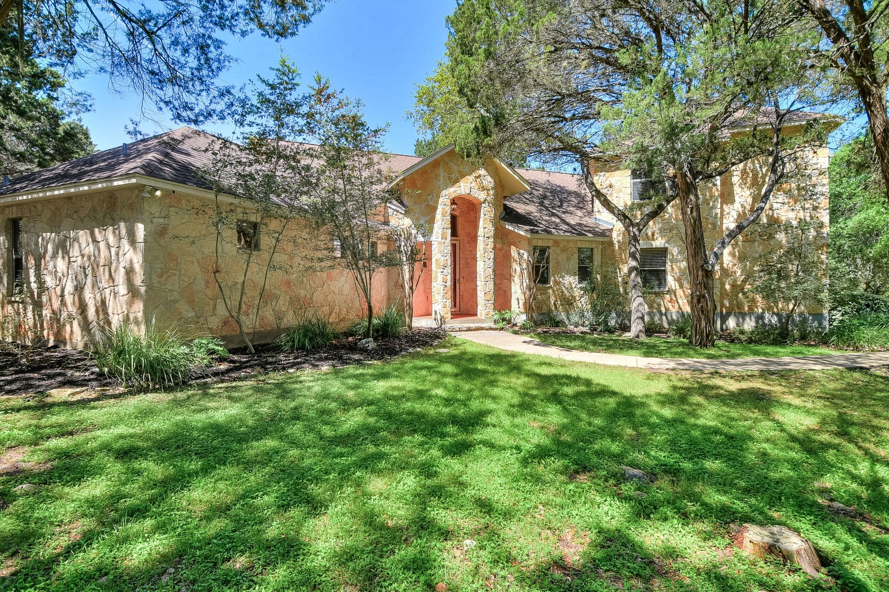 Single Family Homes for Sale at Beautiful Custom Home With Seperate Casita 2 Trophy Lane New Braunfels, Texas 78132 United States