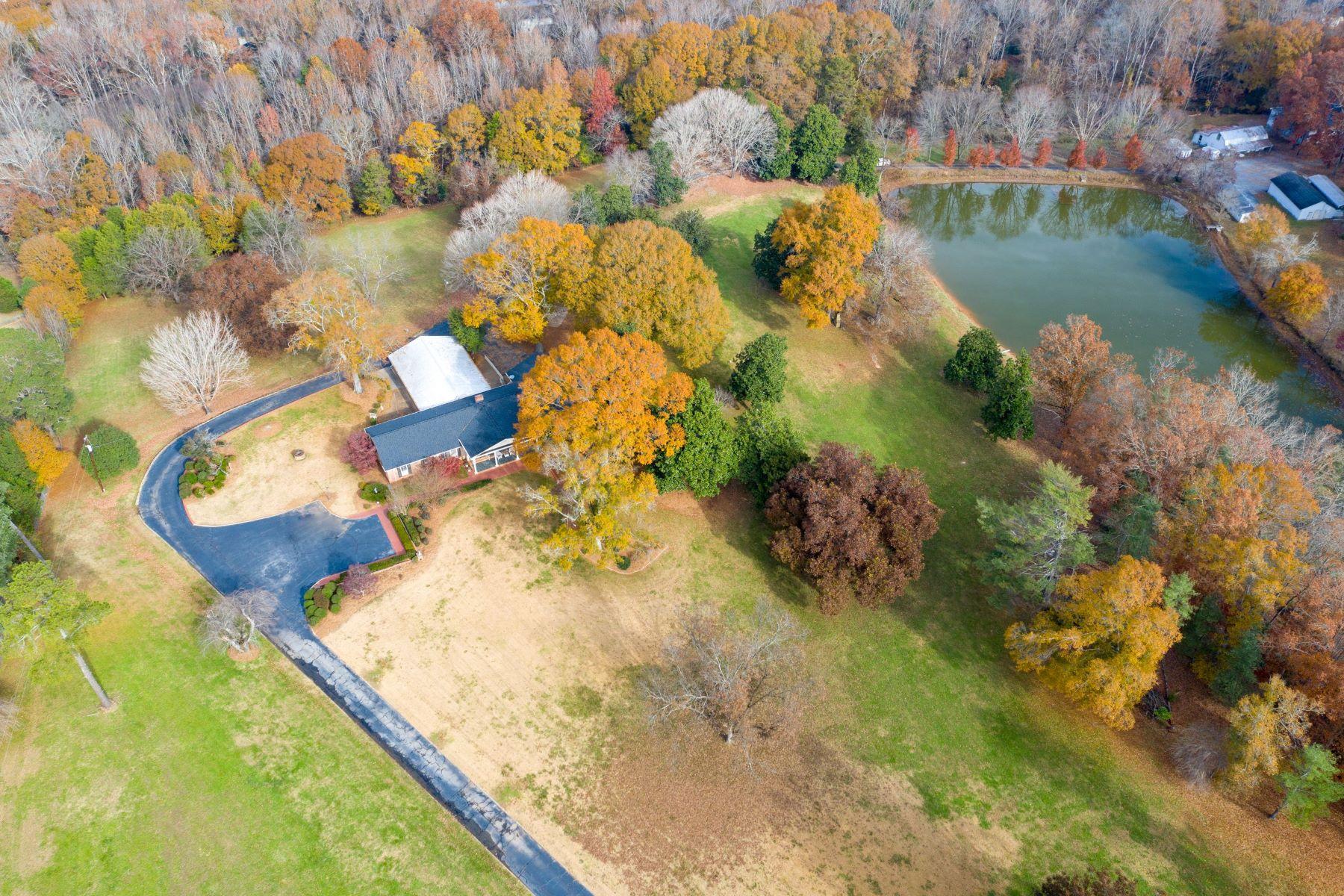 Single Family Homes por un Venta en 500 Taylor Road, Greenville, SC 29607 Greenville, Carolina del Sur 29607 Estados Unidos