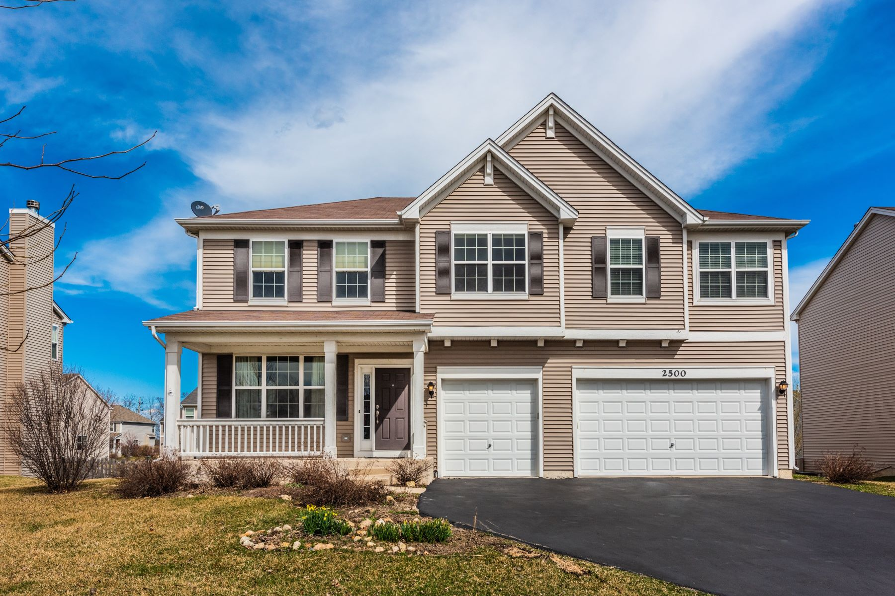 Single Family Homes for Active at Single Family Home In Liberty Lakes East 2500 Goldenrod Way Wauconda, Illinois 60084 United States