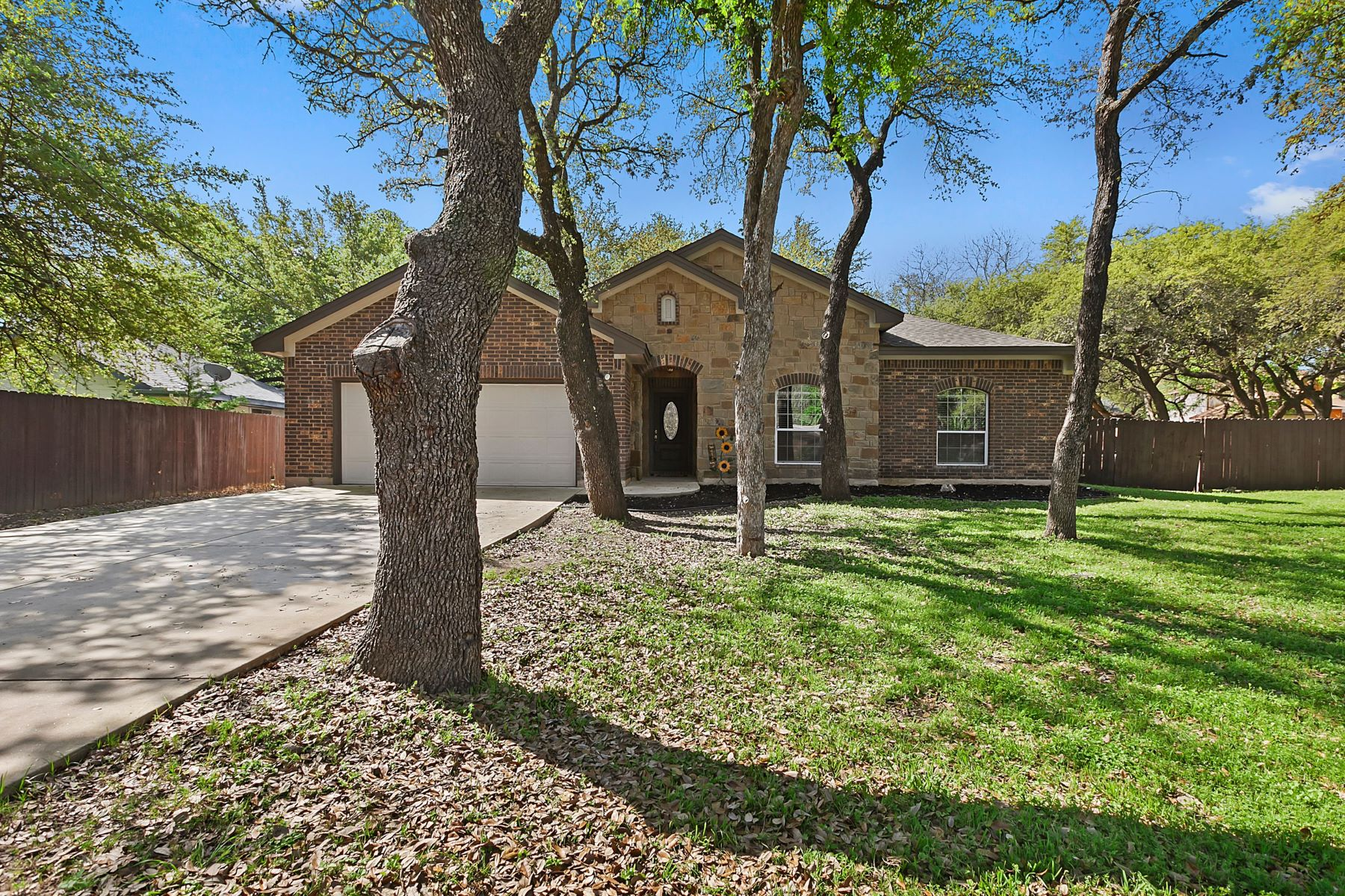 Single Family Homes for Sale at 602 Wicklow Drive, Leander, TX 78641 602 Wicklow Drive Leander, Texas 78641 United States