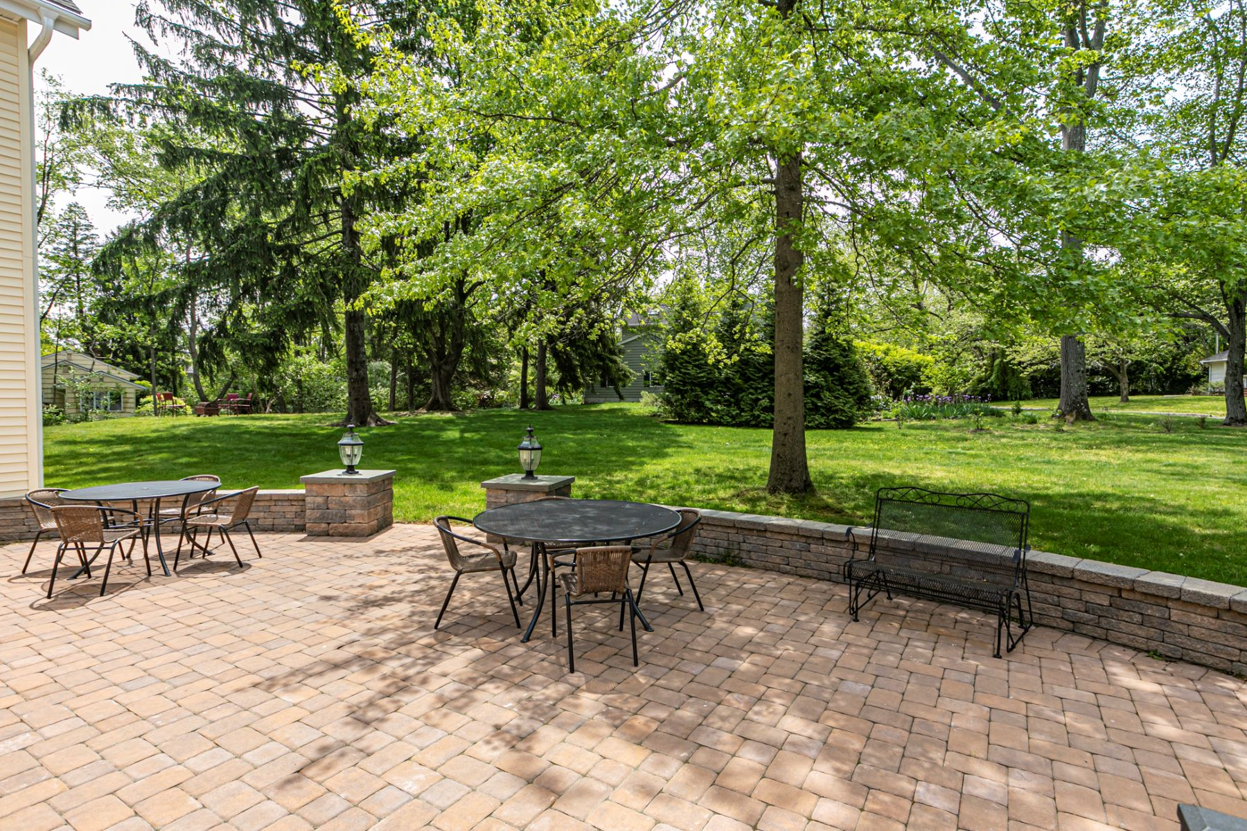 Additional photo for property listing at Classic and Charismatic on a Sunny Rise 80 Randall Road, Princeton, New Jersey 08540 United States