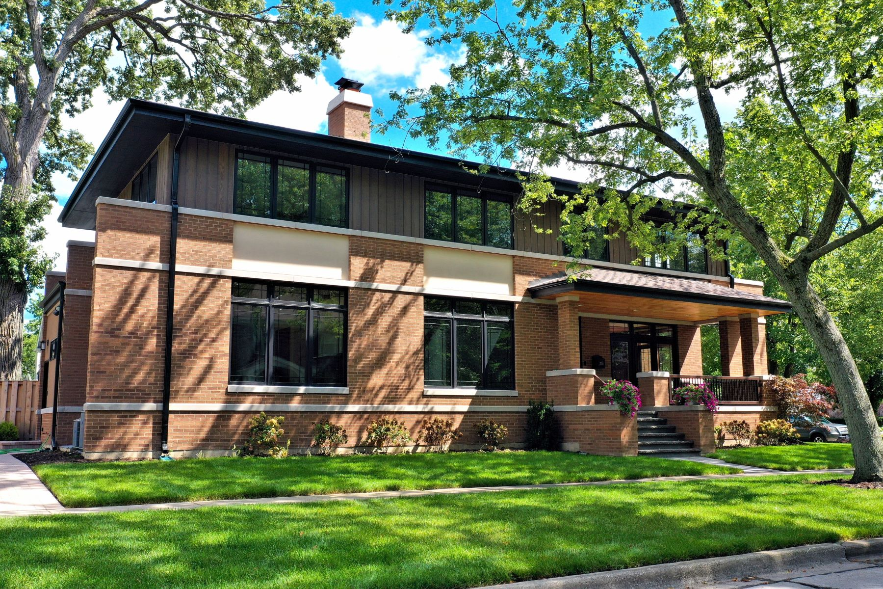 Single Family Homes for Active at Prairie Style Home 1538 Walnut Avenue Wilmette, Illinois 60091 United States