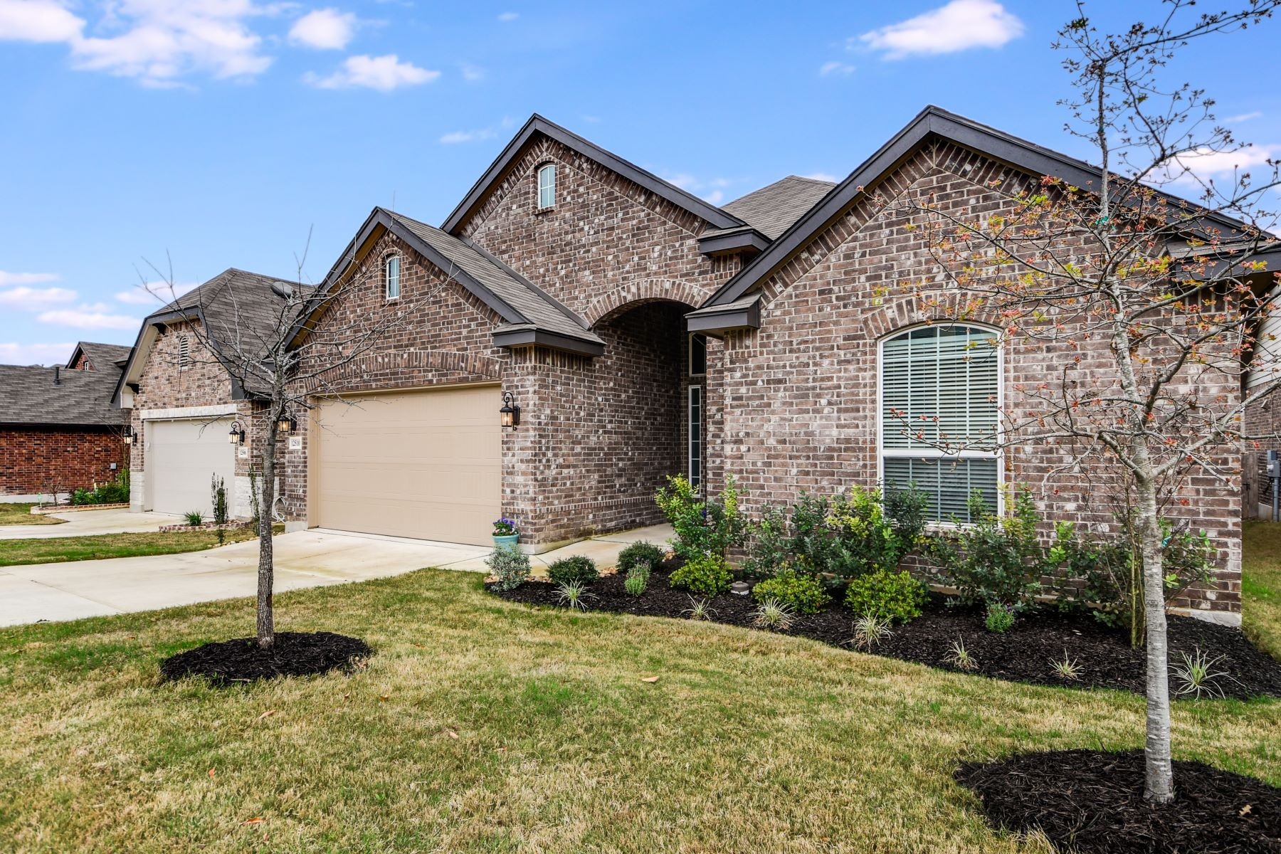 Single Family Home for Sale at Impressive 1.5 Story in Alamo Ranch 12510 Loving Mill San Antonio, Texas 78253 United States