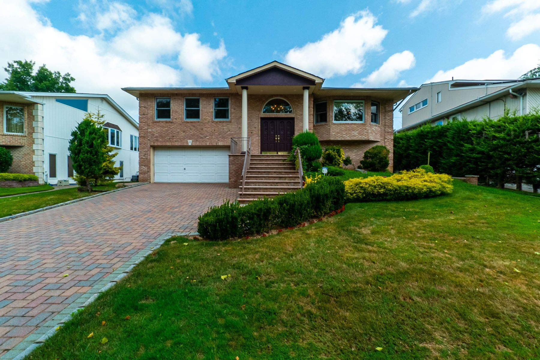 Single Family Homes 為 出售 在 15 Knolls Dr, Manhasset Hills, Ny, 11040 Manhasset Hills, 纽约 11040 美國