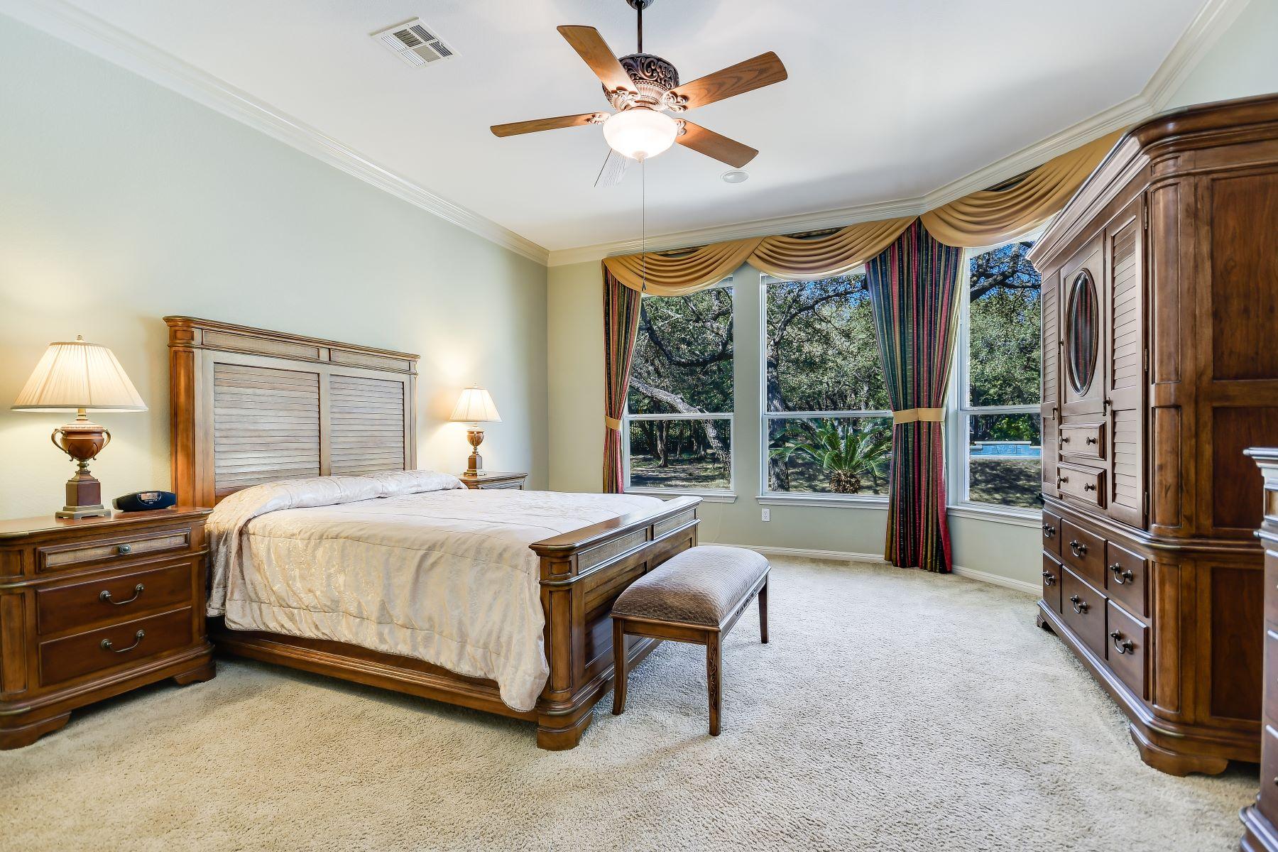 Additional photo for property listing at 7404 Twilight Mesa Drive, Austin, TX 78737  Austin, Texas 78737 États-Unis