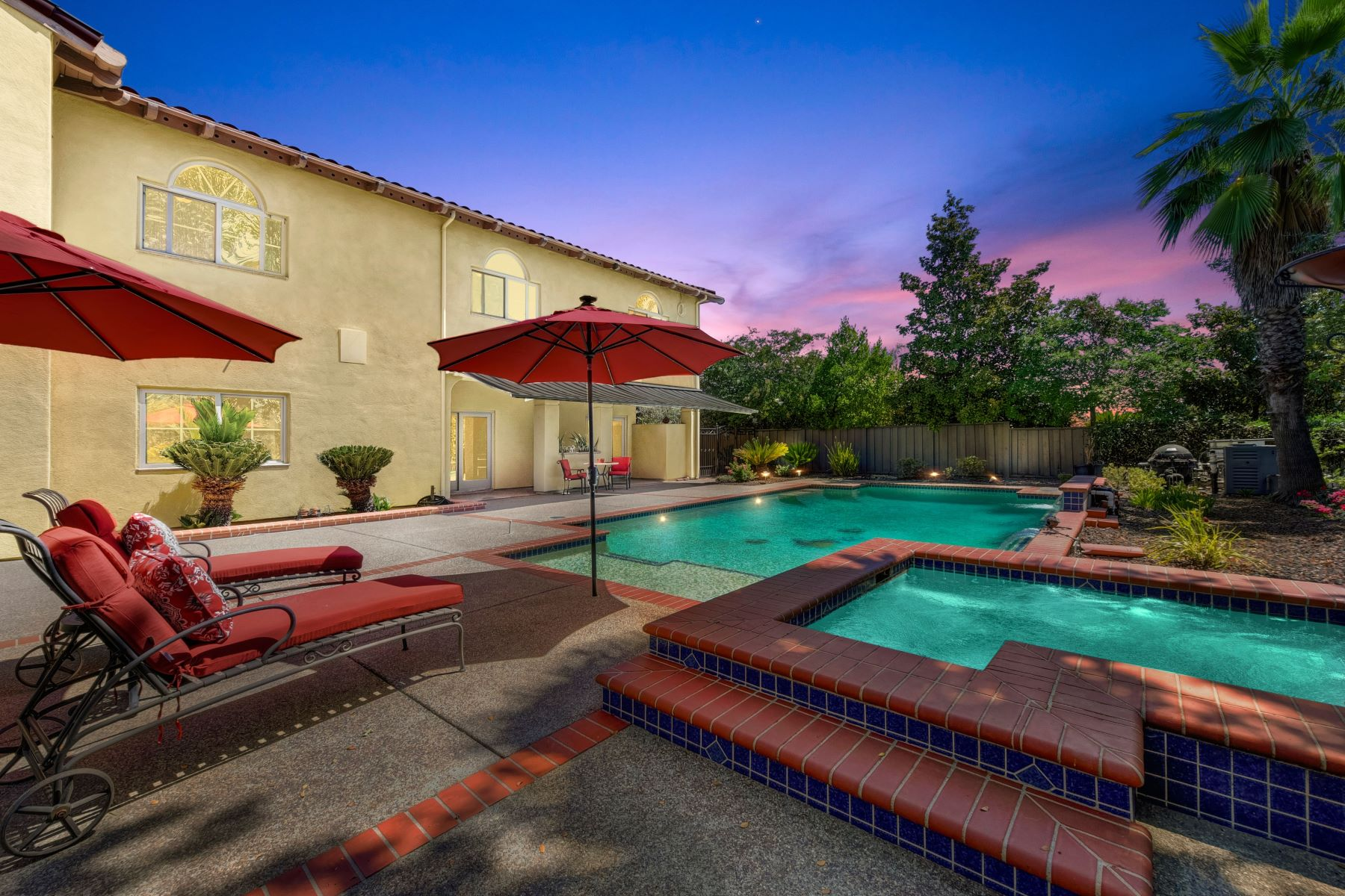 Single Family Homes 为 销售 在 3721 Bridlewood Way, Roseville, CA 95747 3721 Bridlewood Way Roseville, 加利福尼亚州 95747 美国