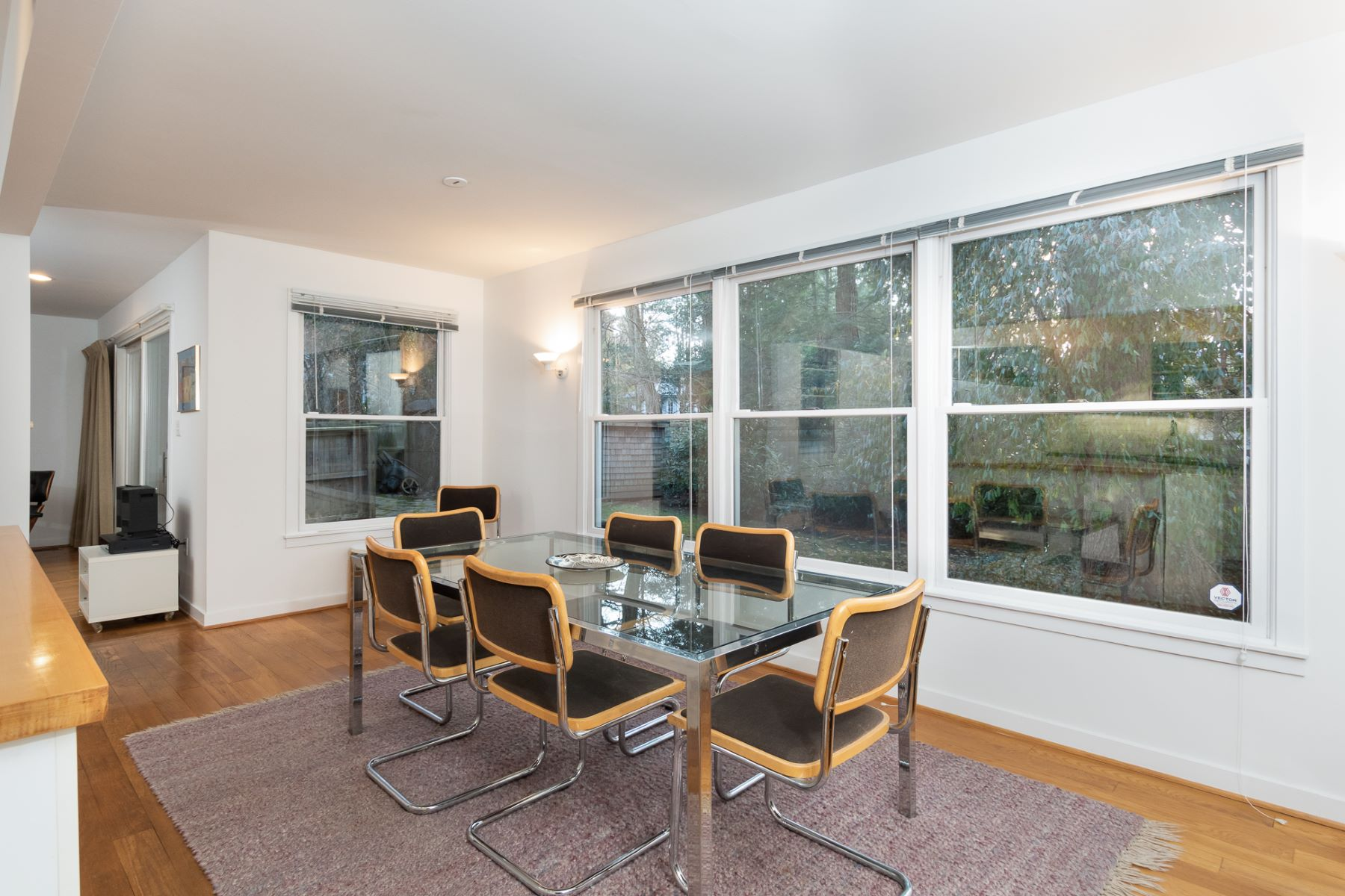 Additional photo for property listing at Graceful Simplicity in this Forward-Thinking Home 136 Bayard Lane, Princeton, 新澤西州 08540 美國