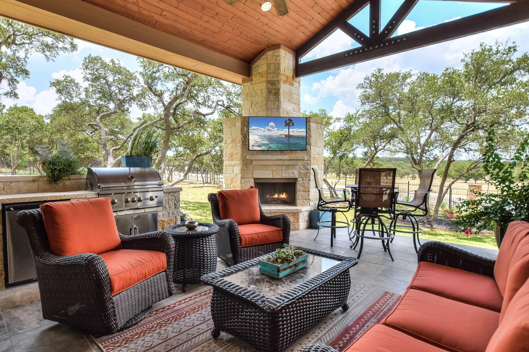 Single Family Home for Sale at Spacious Estate in Valencia 27631 San Portola San Antonio, Texas 78260 United States