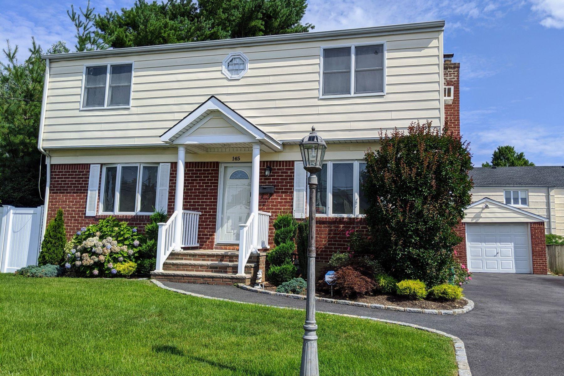 Single Family Homes 為 出售 在 145 Euclid Avenue, Massapequa, Ny, 11758 Massapequa, 纽约 11758 美國