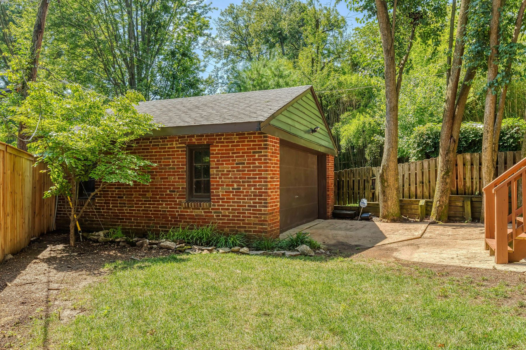 Additional photo for property listing at Charming English Country Home 644 Vassar Avenue, University City, Missouri 63130 United States
