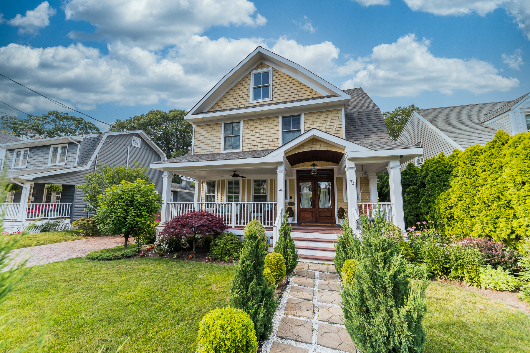 Single Family Homes 為 出售 在 73 Raymond St, Rockville Centre, Ny, 11570 Rockville Centre, 纽约 11570 美國