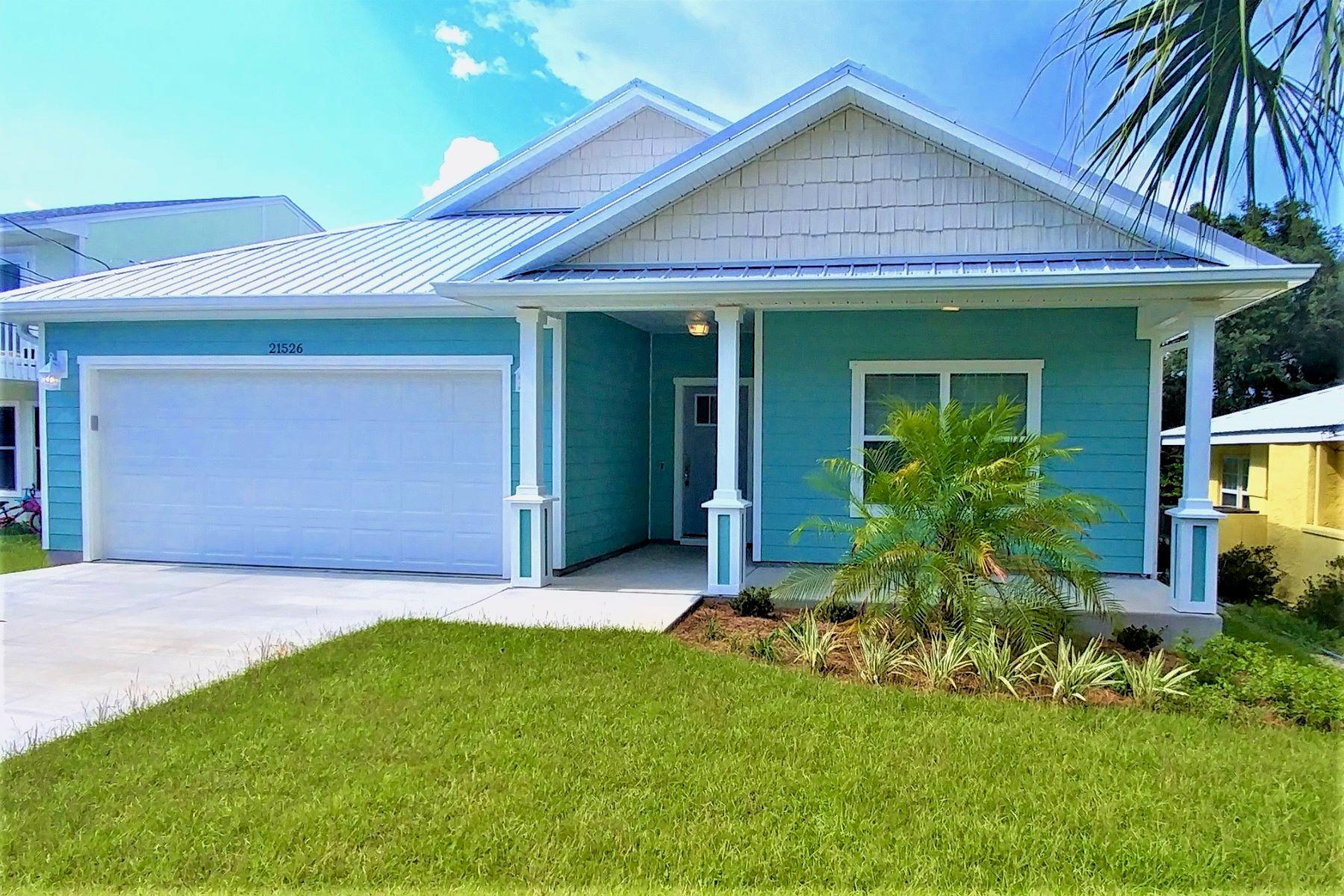 Single Family Homes für Verkauf beim Recently Constructed Beach Home Conveys Furnished 21526 Dolphin Avenue, Panama City Beach, Florida 32413 Vereinigte Staaten