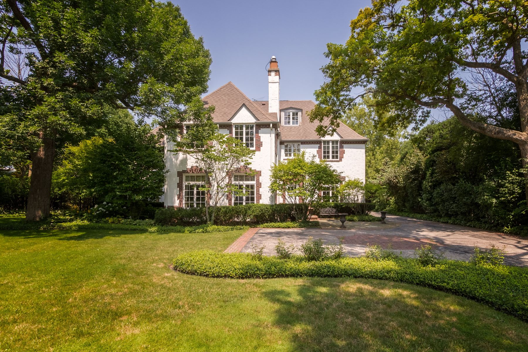 Single Family Homes for Sale at Spectacular Highland Park Estate 185 Hazel Avenue Highland Park, Illinois 60035 United States