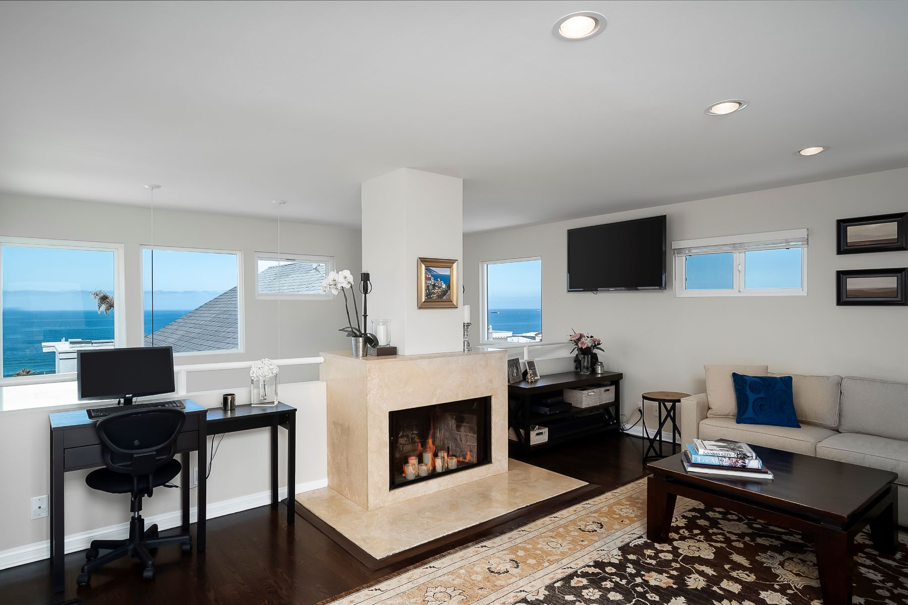 townhouses for Active at 3207 Crest Drive, Manhattan Beach, CA 90266 3207 Crest Drive Manhattan Beach, California 90266 United States