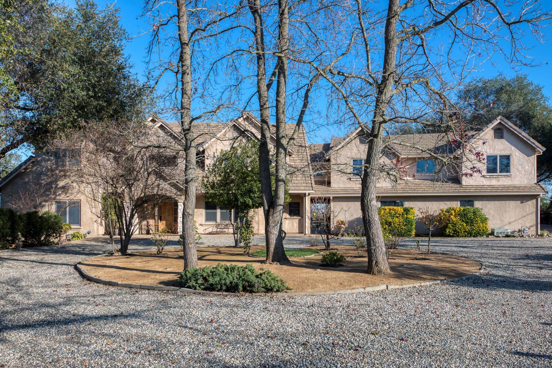 Single Family Homes para Venda às 7560 Larkspur Lane, Orangevale, CA 95662 Orangevale, Califórnia 95662 Estados Unidos