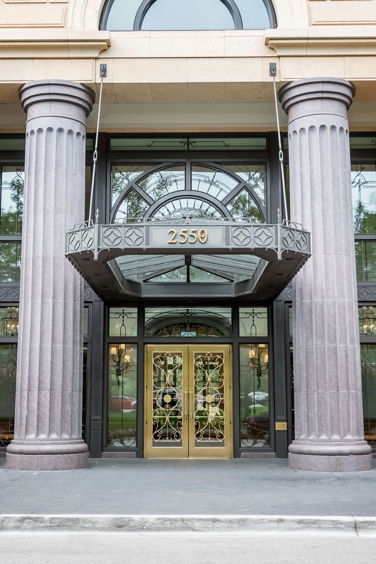 Condominiums for Sale at Unparalleled Chicago Penthouse 2550 N Lakeview Avenue Unit PH-3801 Chicago, Illinois 60614 United States