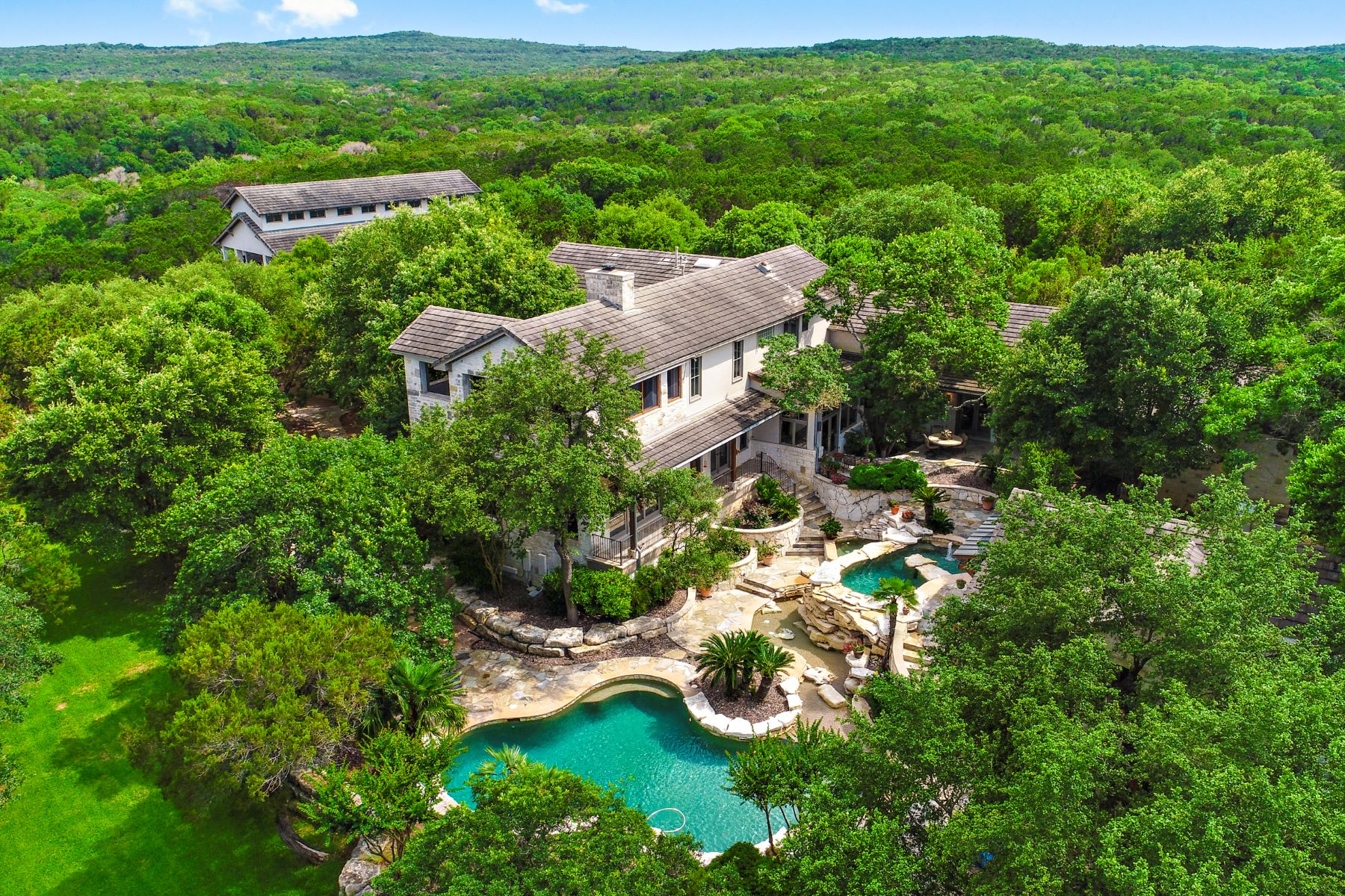 Single Family Homes for Active at 11949 Overlook Pass, Austin, TX 78738 11949 Overlook Pass Austin, Texas 78738 United States