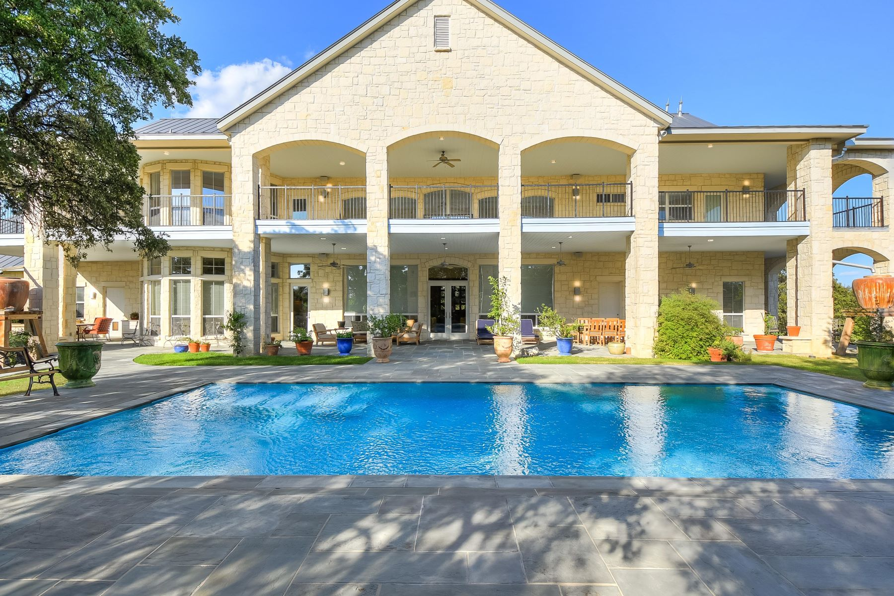 Single Family Homes for Active at Luxurious Dominion Estate Offering Panoramic Views 41 Vineyard Drive San Antonio, Texas 78257 United States