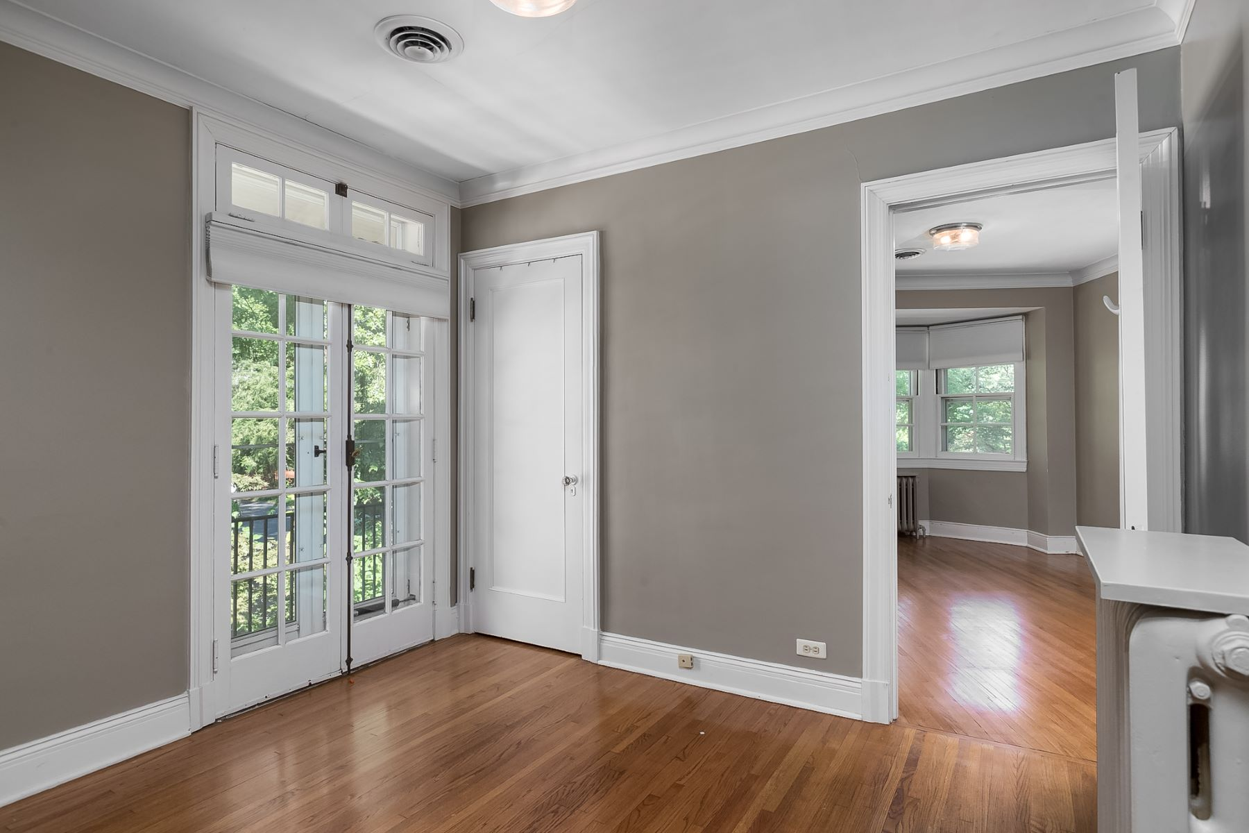 Additional photo for property listing at Italian Renaissance Masterpiece in the University Hills Neighborhood 7201 Greenway Avenue University City, Missouri 63130 United States