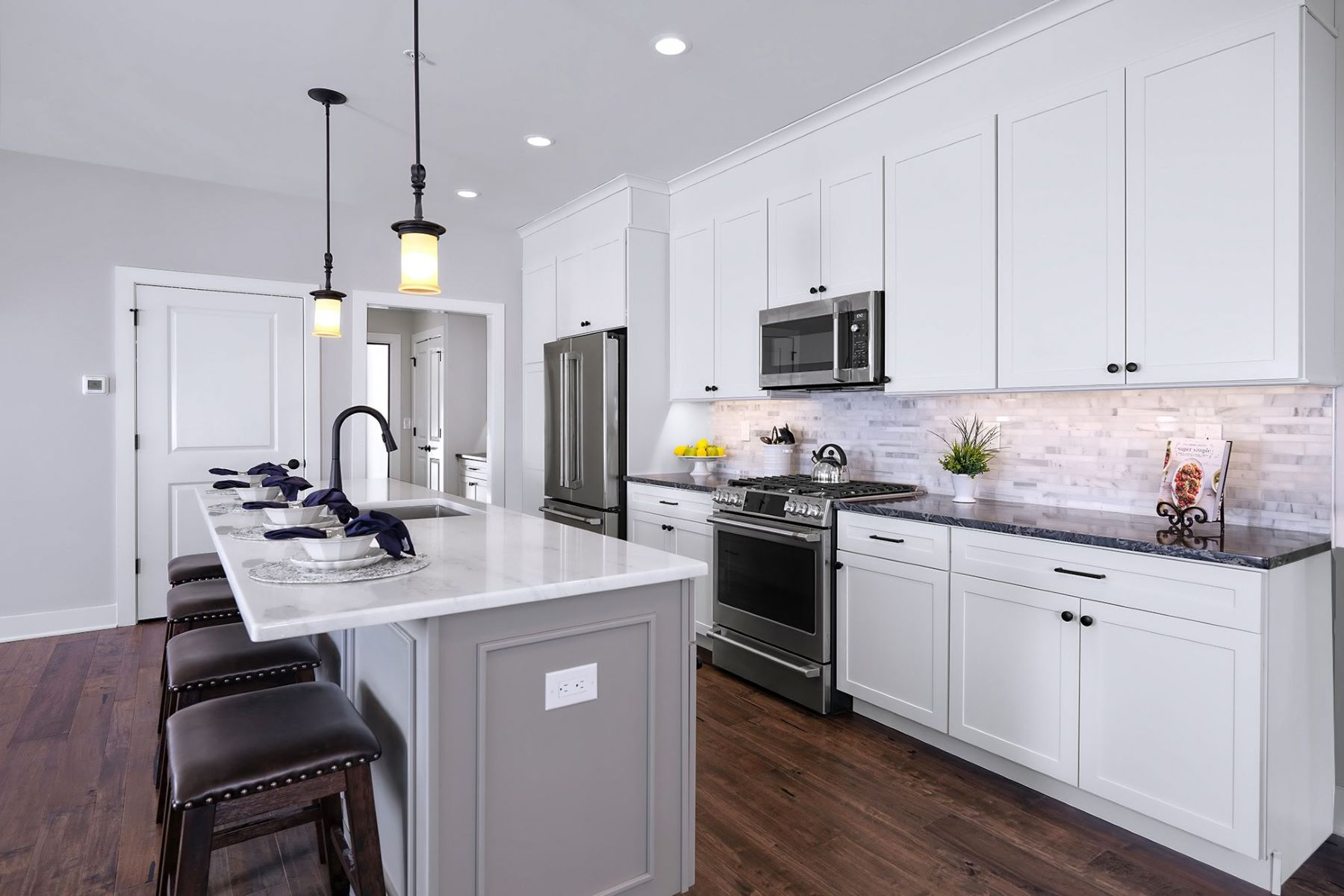 Additional photo for property listing at It's Time for the Finer Things in Life 20 Riverwalk, Plainsboro, New Jersey 08536 United States