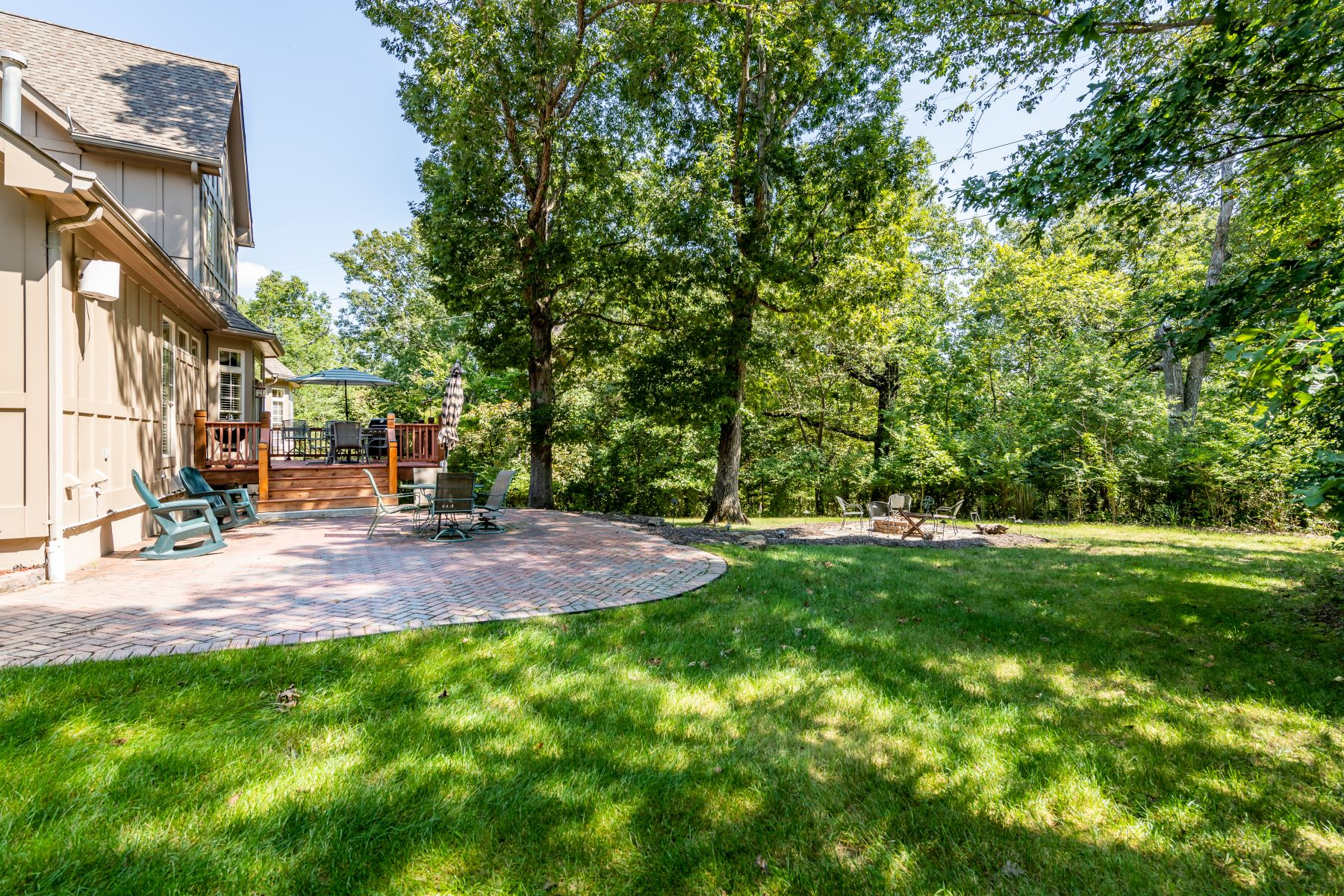 Additional photo for property listing at Luxurious Estate in private Wildwood neighborhood 18518 Great Meadow Road Wildwood, Missouri 63038 United States