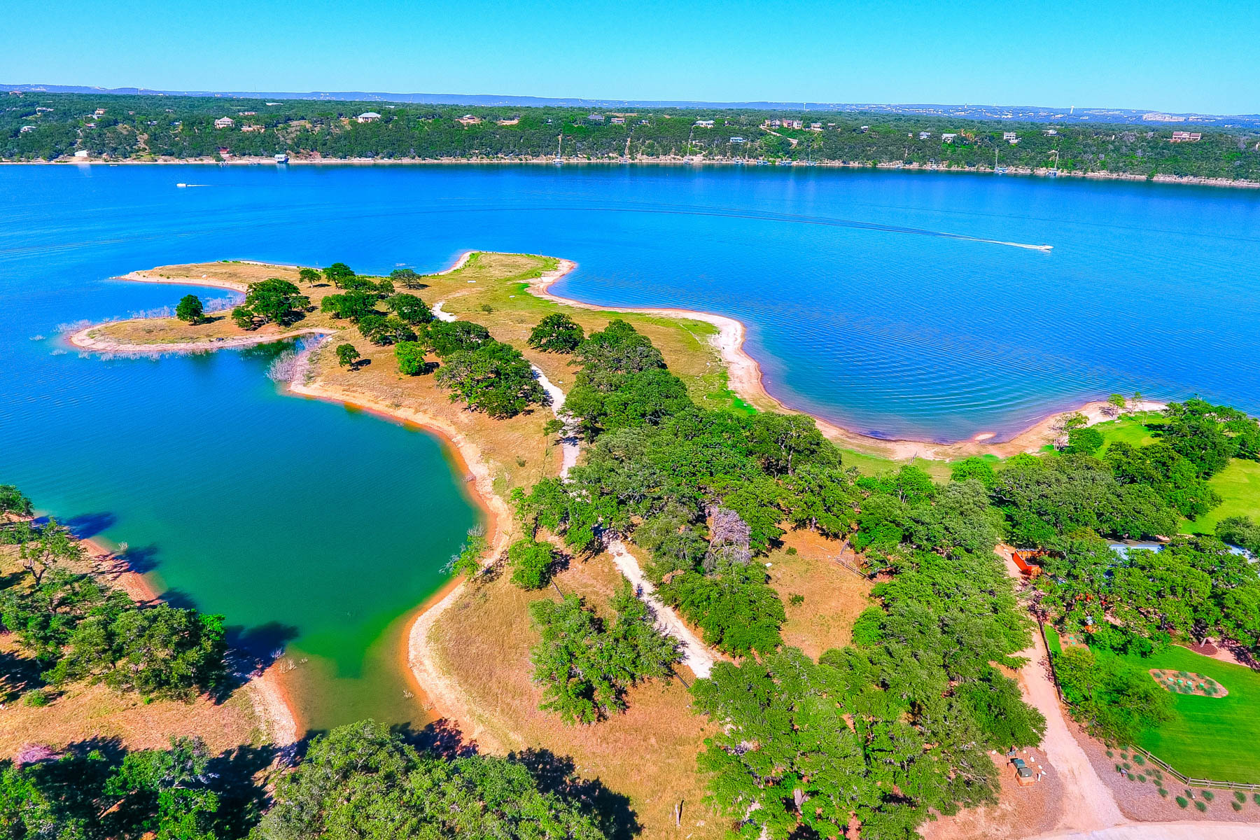 Terreno por un Venta en The Reserve on Lake Travis: 5.87 Waterfront Acres 2208 Cypress Club Pointe Spicewood, Texas 78669 Estados Unidos