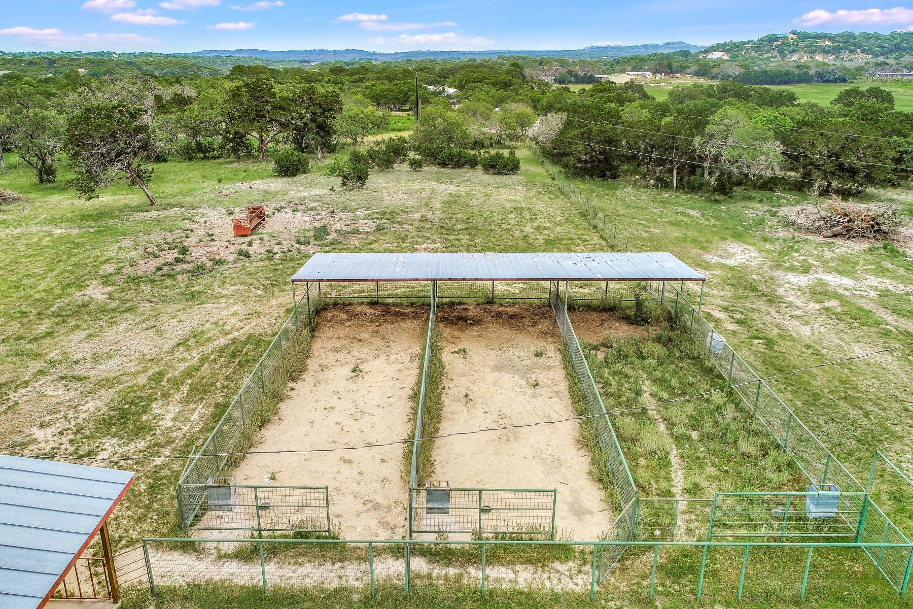 Additional photo for property listing at South Texas Style with Open Concept 113 Spanish Pass Road Boerne, Texas 78006 United States