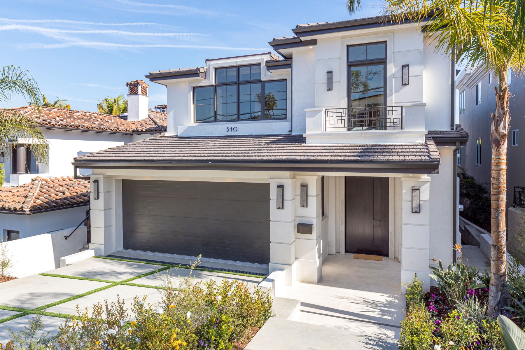 Single Family Homes for Sale at 510 North Dianthus Street, Manhattan Beach, CA 90266 510 North Dianthus Street Manhattan Beach, California 90266 United States