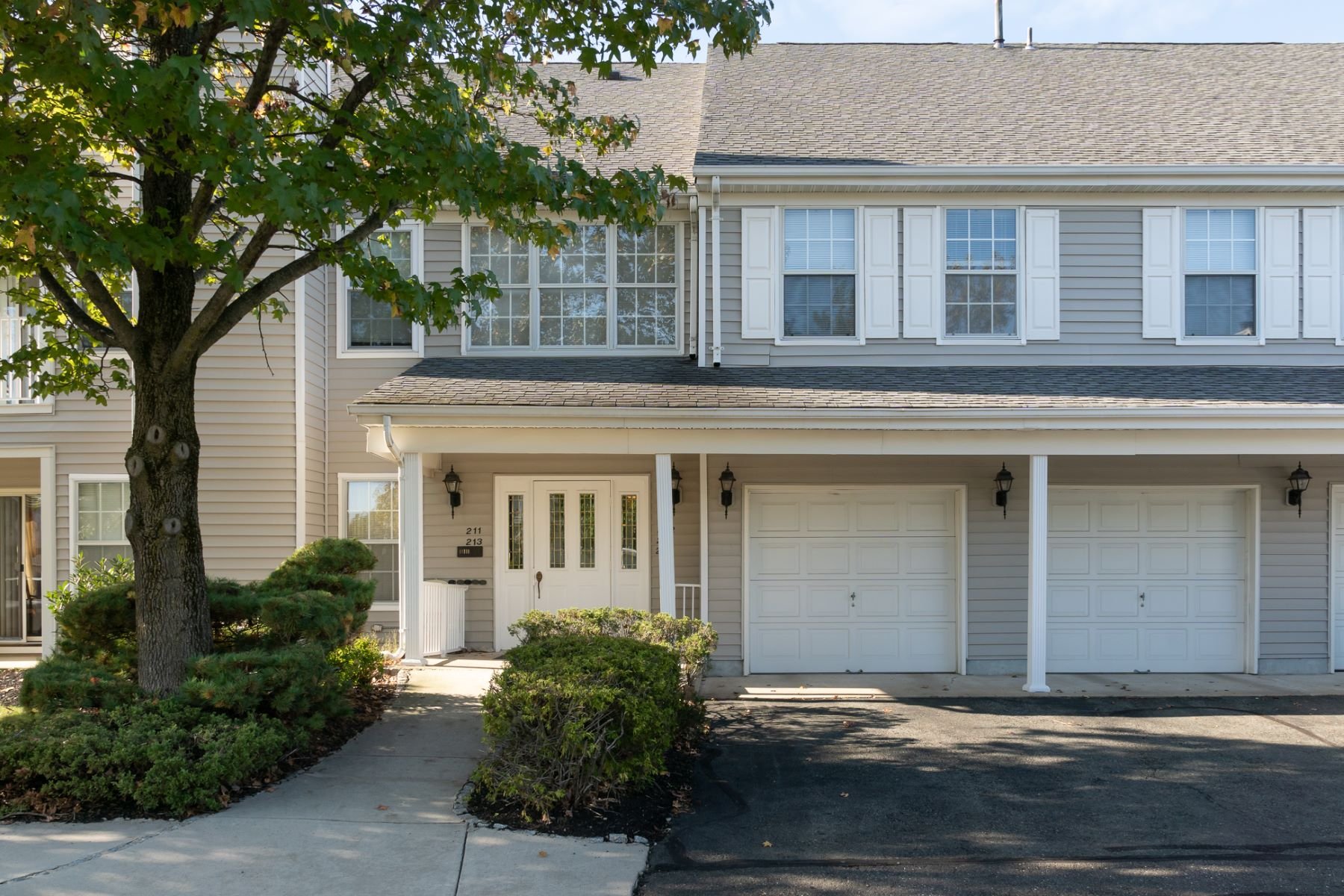 Condominiums for Sale at Eagles Chase Condo Is Sure to Be a Favorite 213 Sonnett Place, Lawrence Township, New Jersey 08648 United States
