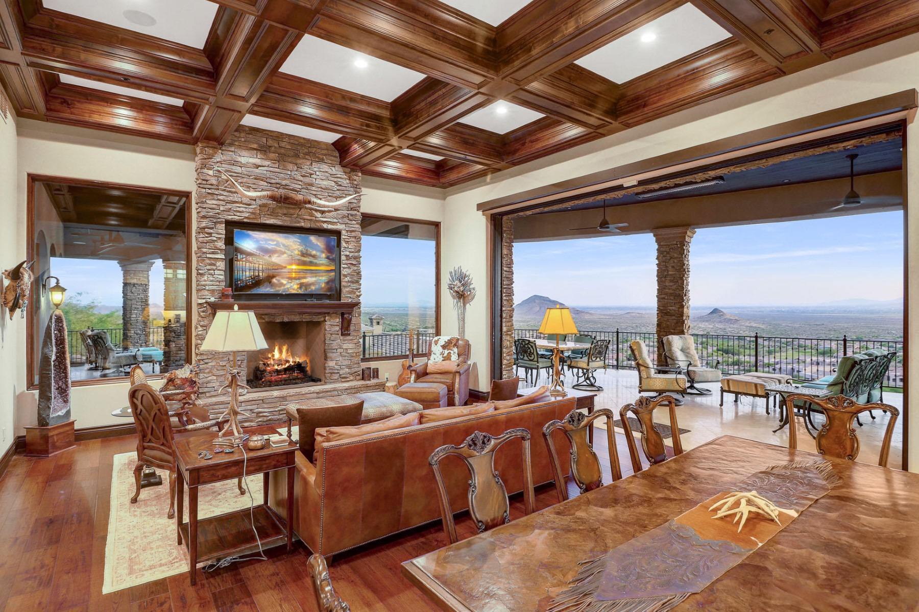 Single Family Homes 为 销售 在 Firerock 10208 N PALISADES BLVD Fountain Hills, 亚利桑那州 85268 美国