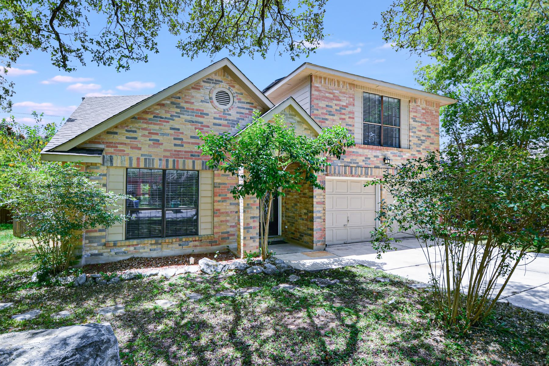 Single Family Homes for Sale at 938 Hedgestone Drive, San Antonio, TX 78258 San Antonio, Texas 78258 United States