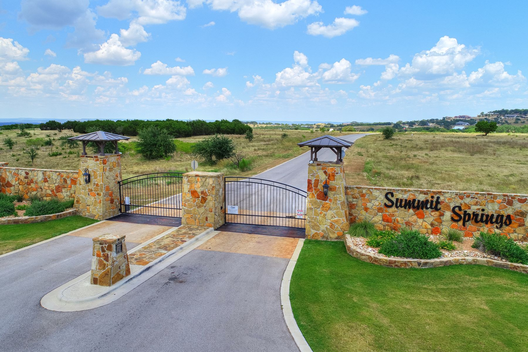 토지 용 매매 에 5 Acres in Gated Summit Springs Lot 20 Summit Springs Blackbuck Ct., Marble Falls, 텍사스 78654 미국