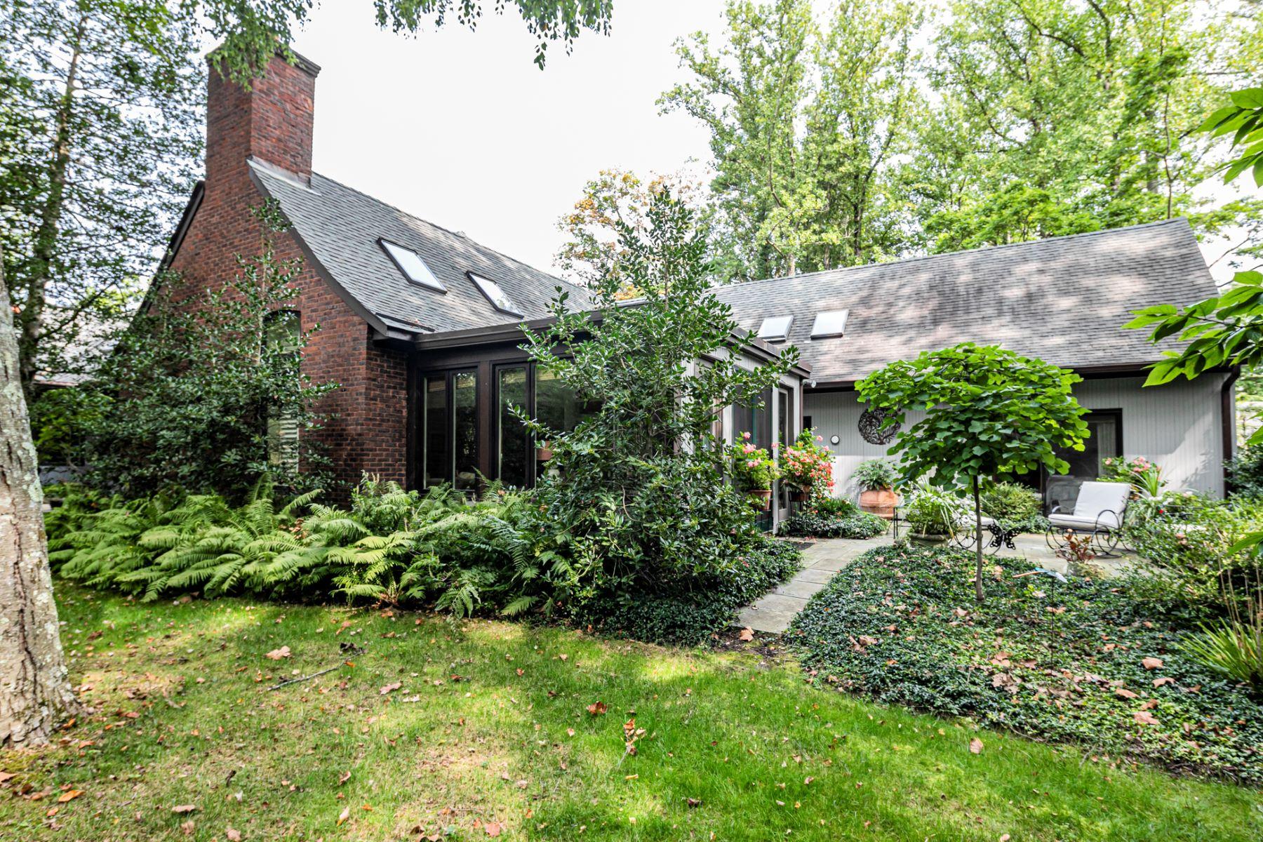 townhouses için Satış at Carefree Elegance at Its Most Convenient 27 Constitution Hill West, Princeton, New Jersey 08540 Amerika Birleşik Devletleri