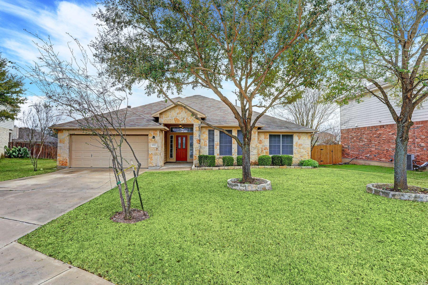 Single Family Homes für Verkauf beim 18913 Stirling Castle Court, Pflugerville, TX 78660 Pflugerville, Texas 78660 Vereinigte Staaten