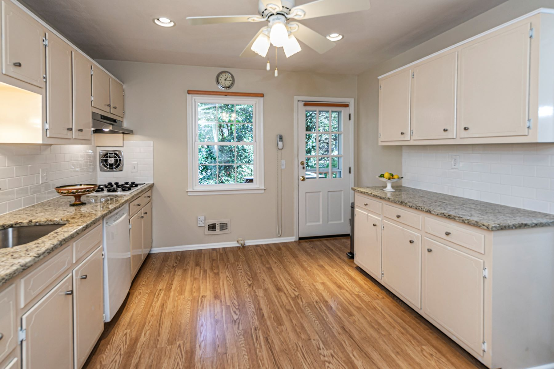 Additional photo for property listing at Natural Light Fills This Beautifully Updated Home 3 Sycamore Lane, Skillman, New Jersey 08558 United States