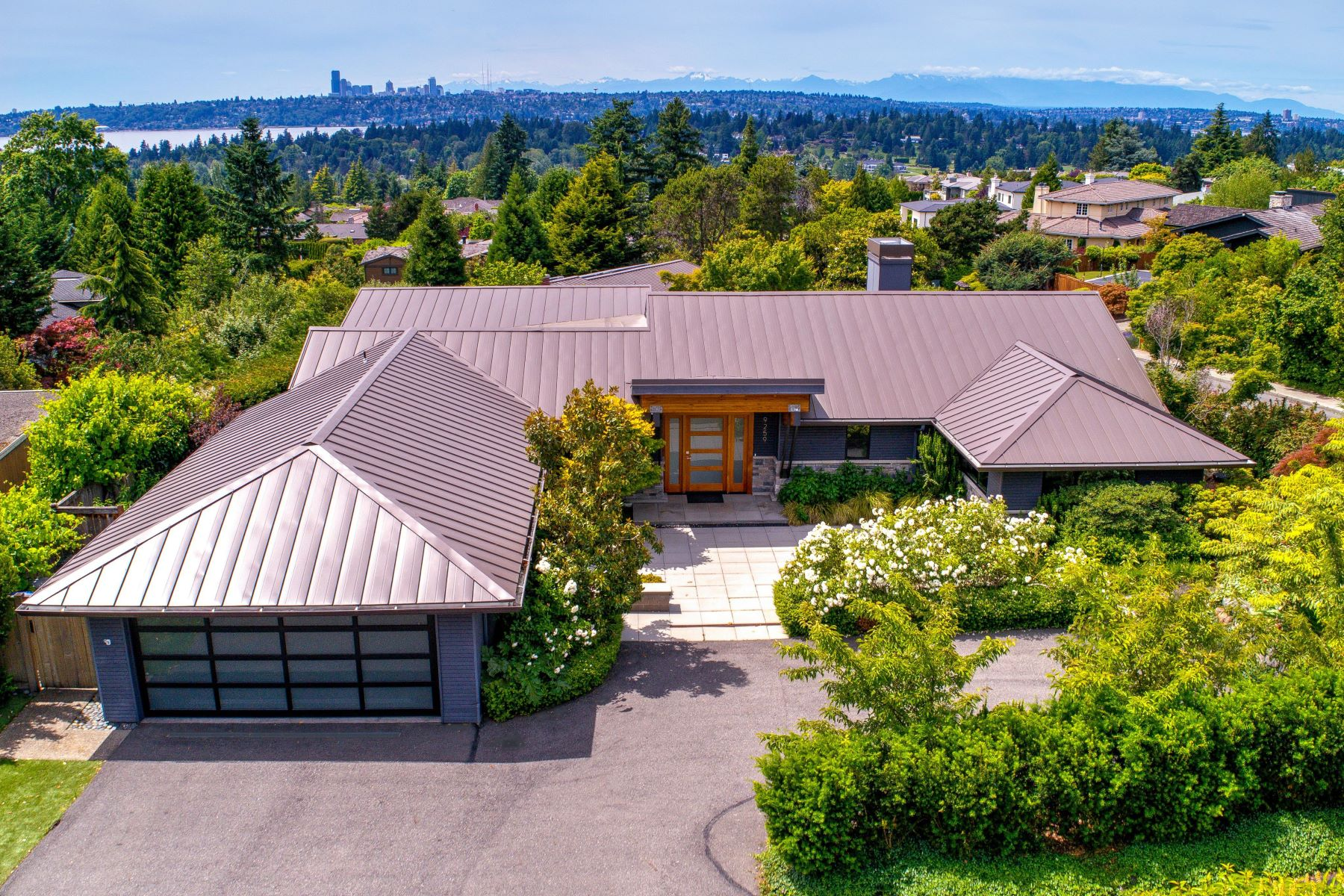 Single Family Homes for Sale at 9259 Northeast 14th Street, Clyde Hill, WA 98004 9259 NE 14th St Bellevue, Washington 98004 United States