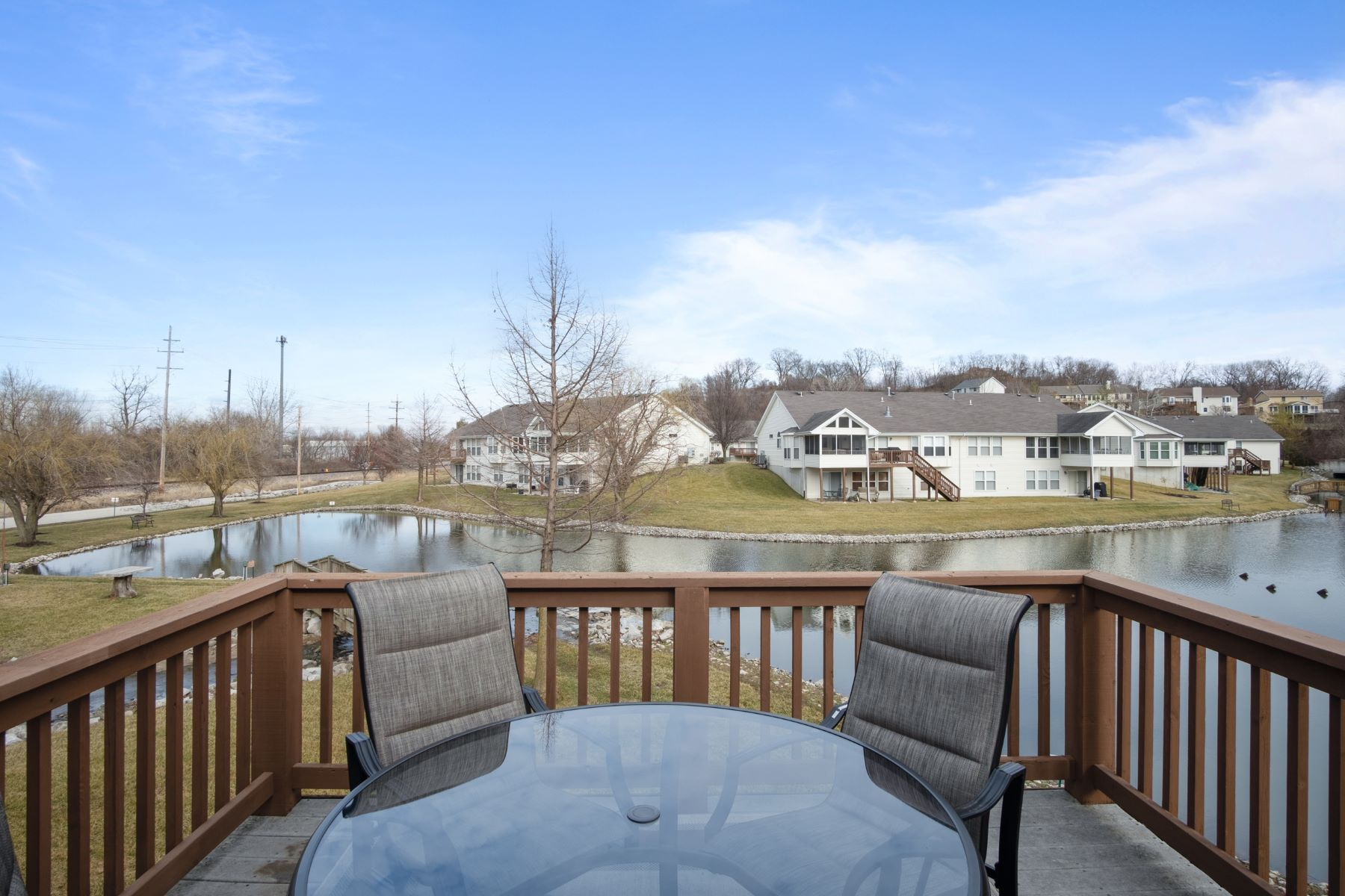 Additional photo for property listing at Lakefront Villa in Villas at Sterling Pointe 48 Shimmering Lake Court #7B St. Charles, Missouri 63301 United States