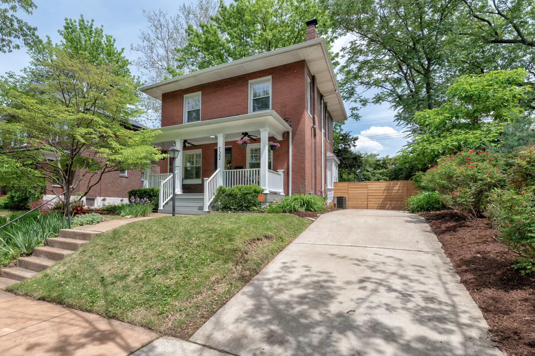 Single Family Home for Sale at University Heights Charmer 722 Harvard Avenue University City, Missouri 63130 United States