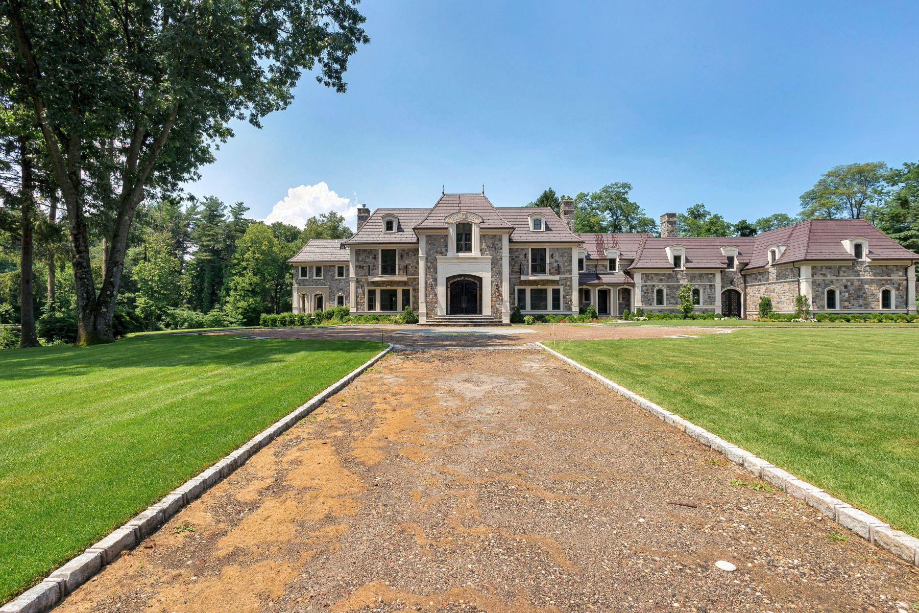 Single Family Homes 為 出售 在 Matinecock 9 Stoddart Court, Matinecock, 纽约 11560 美國