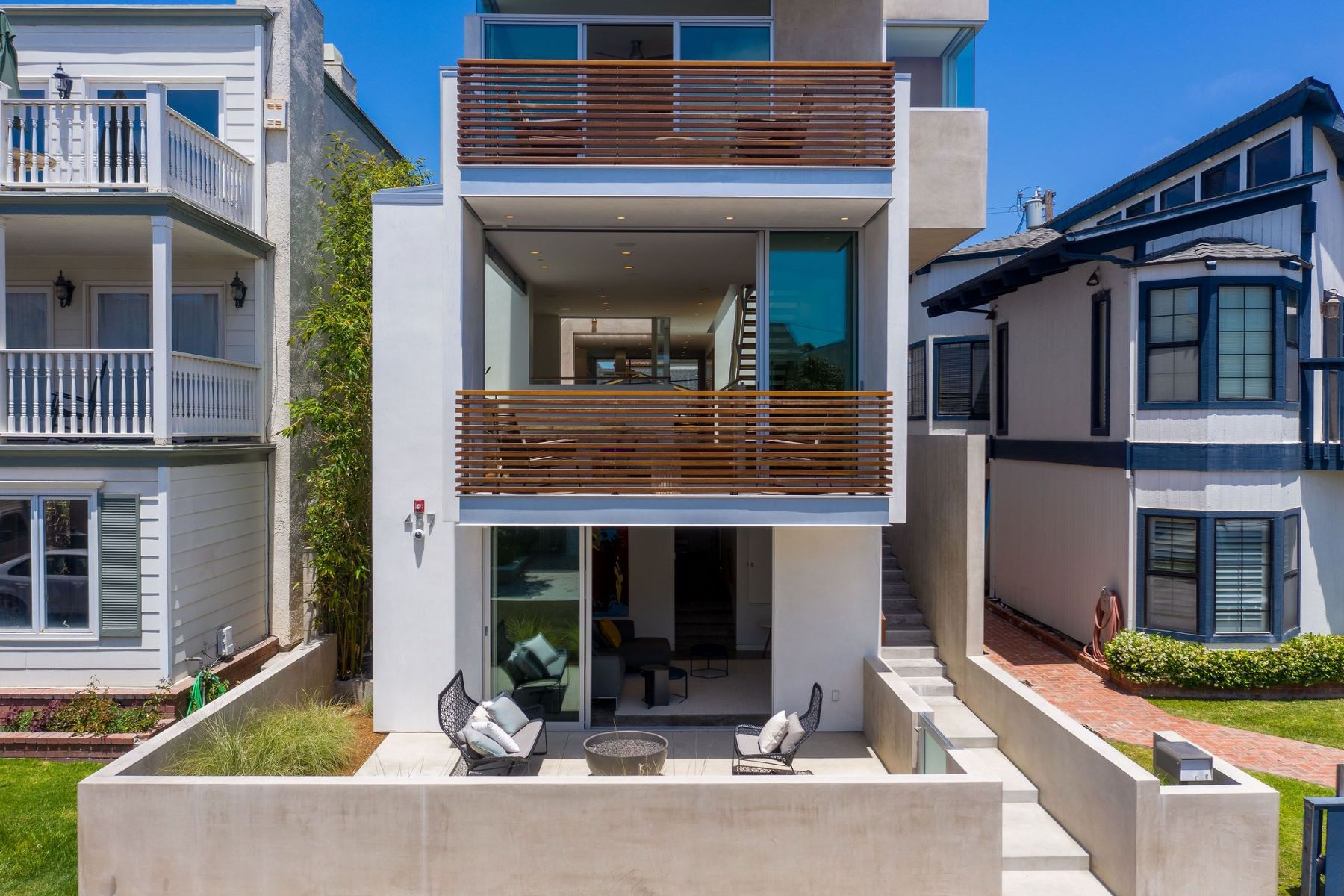 Single Family Homes for Active at 457 30th Street, Manhattan Beach, CA 90266 457 30th Street Manhattan Beach, California 90266 United States