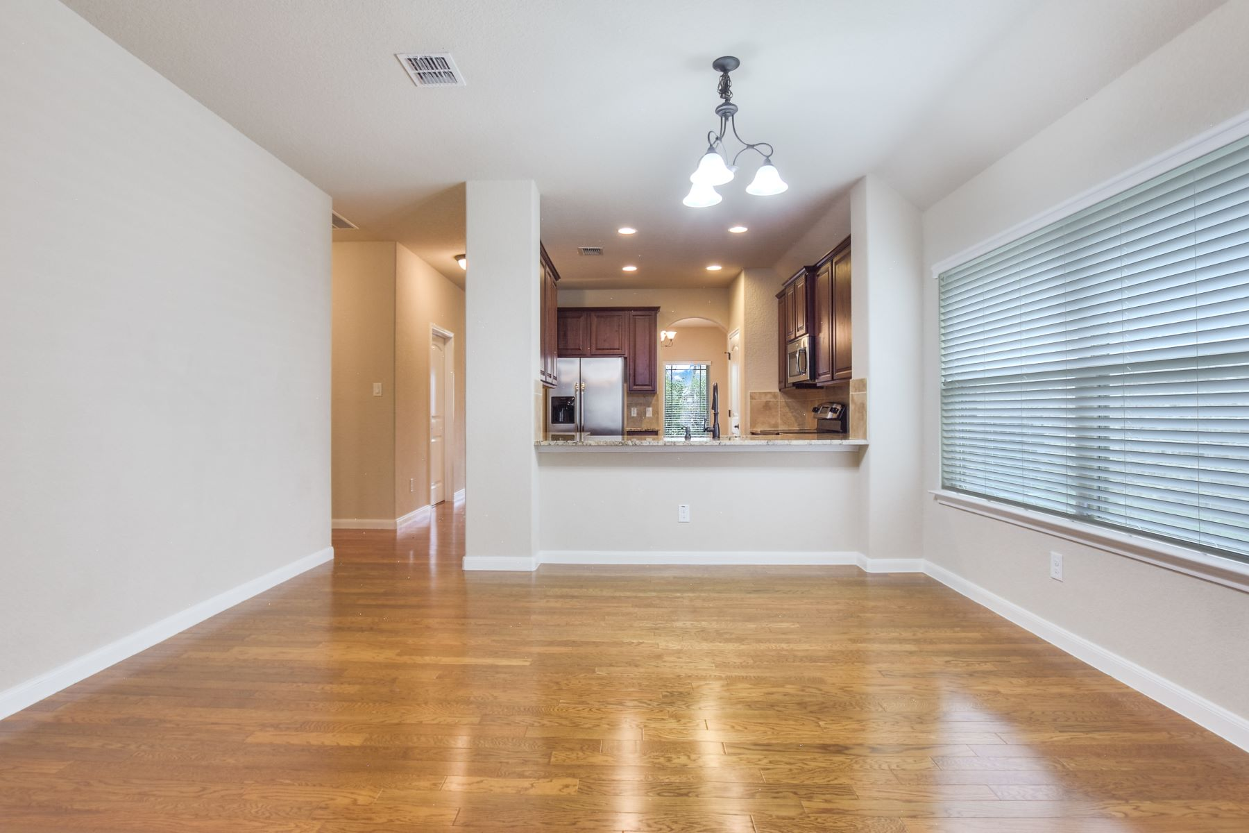 Additional photo for property listing at Stunning Home in Boerne 105 Santa Anita Road Boerne, Texas 78006 United States