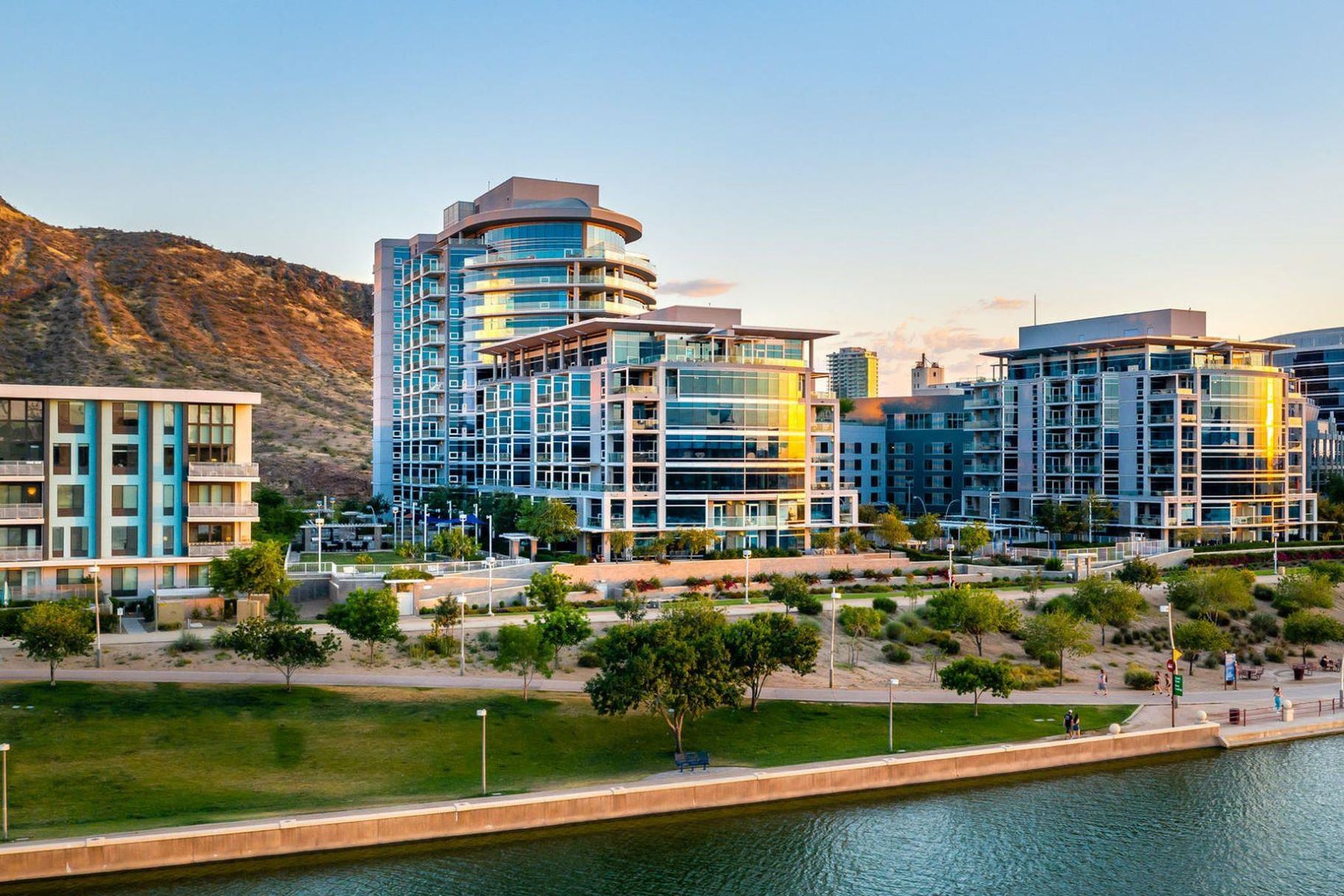 Condominiums 为 销售 在 Bridgeview At Hayden Ferry Lakeside Condominium 140 E Rio Salado PKWY 510 坦佩, 亚利桑那州 85281 美国