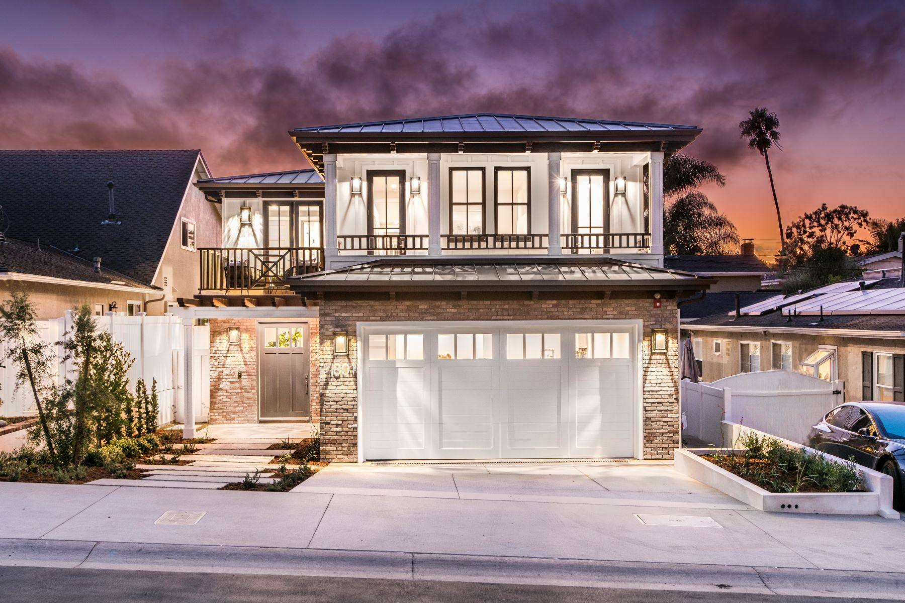Single Family Homes for Sale at 1801 Oak Avenue, Manhattan Beach, CA 90266 1801 Oak Avenue Manhattan Beach, California 90266 United States