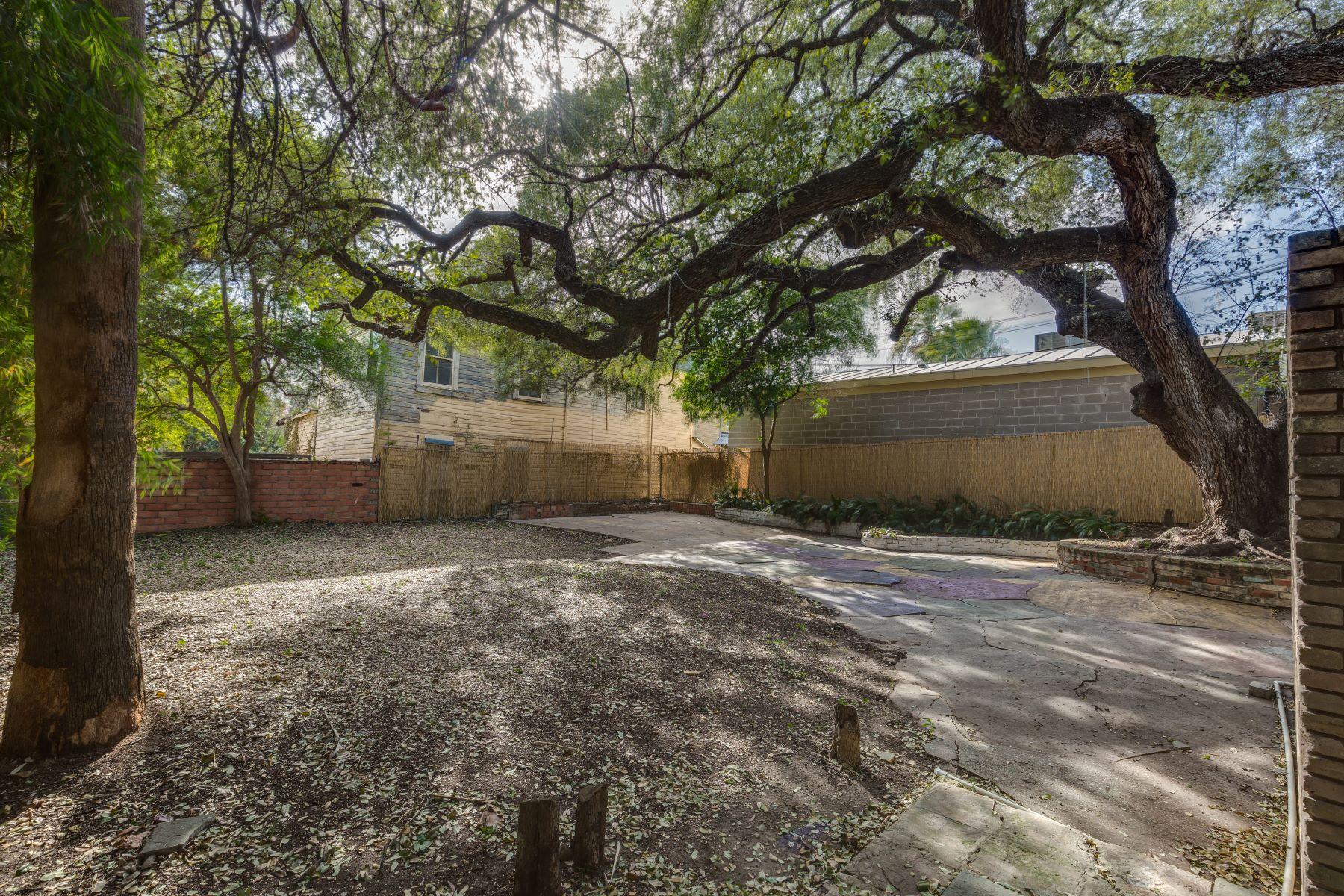 Additional photo for property listing at Prairie Style Home 334 West Mistletoe Avenue San Antonio, Texas 78212 United States