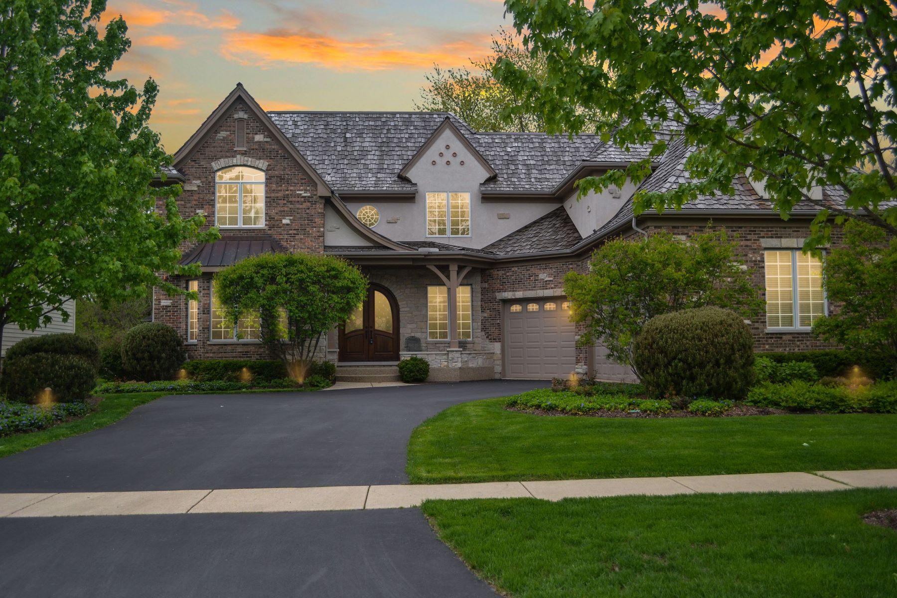 Single Family Homes for Active at Impeccably Appointed Custom Brick Home 611 Ames Street Libertyville, Illinois 60048 United States