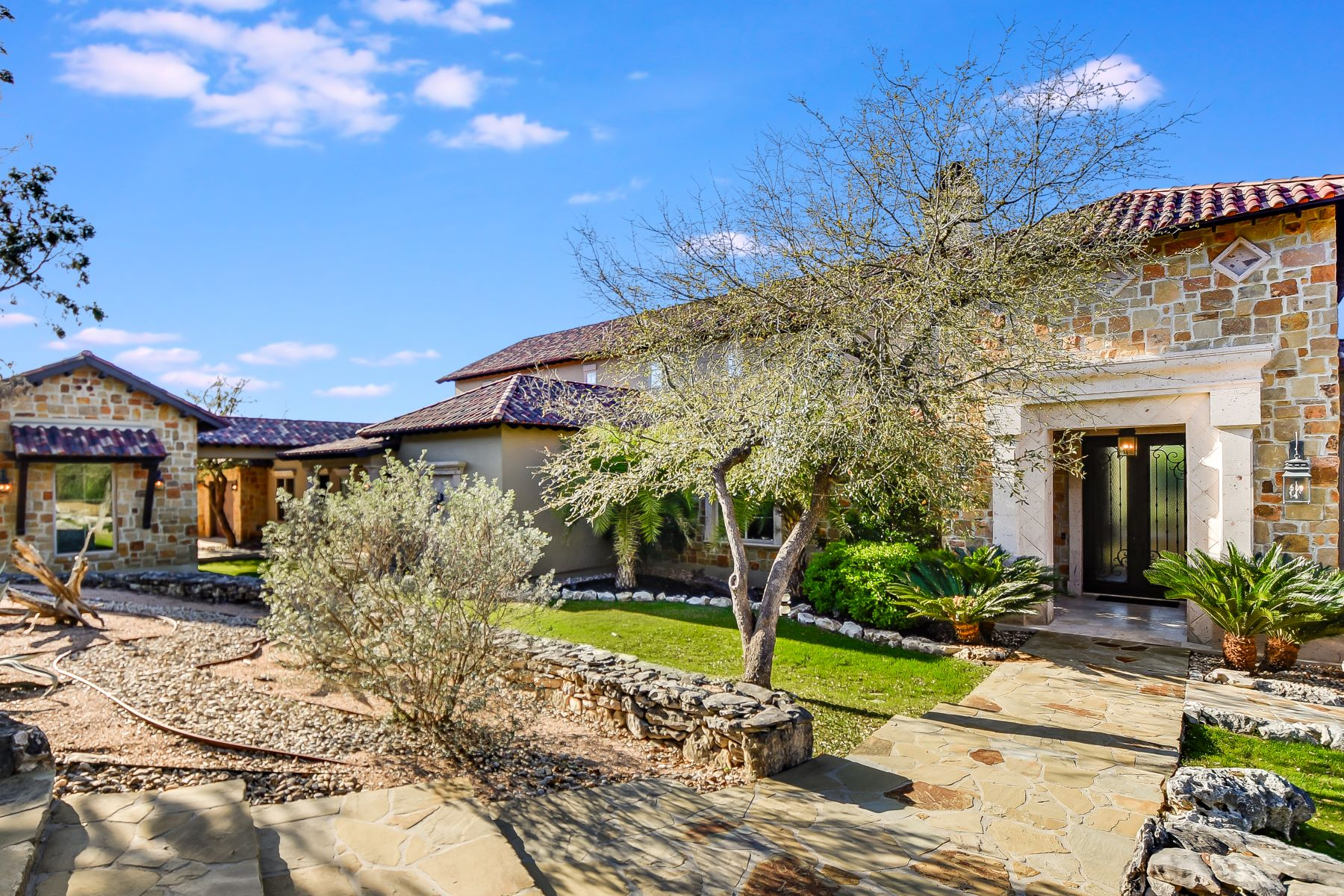 Single Family Homes for Sale at 19418 Settlers Creek, San Antonio, TX 78258 San Antonio, Texas 78258 United States