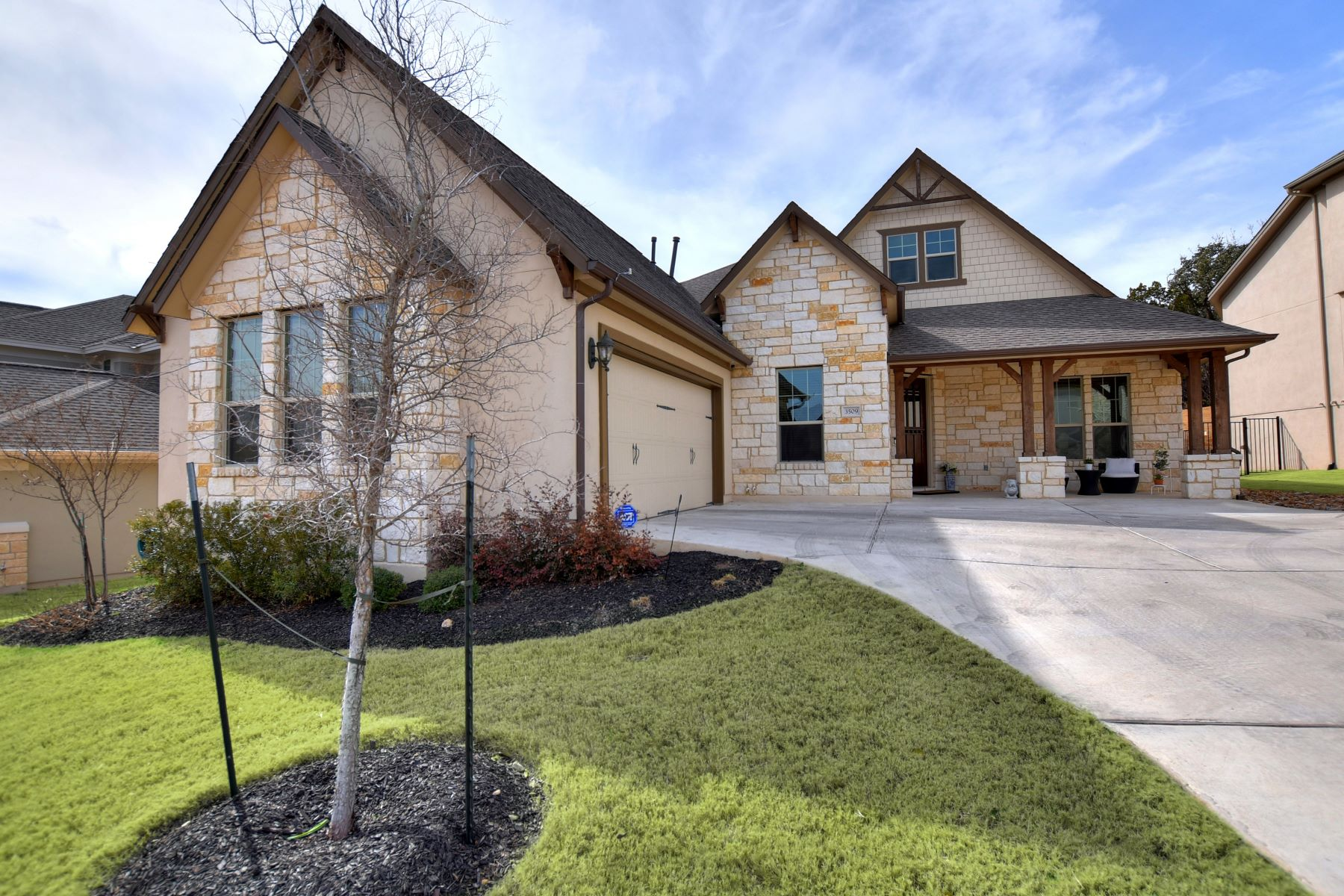 Additional photo for property listing at Beautiful One-Story Home on Greenbelt Lot 3509 Venezia View Leander, Texas 78641 Estados Unidos