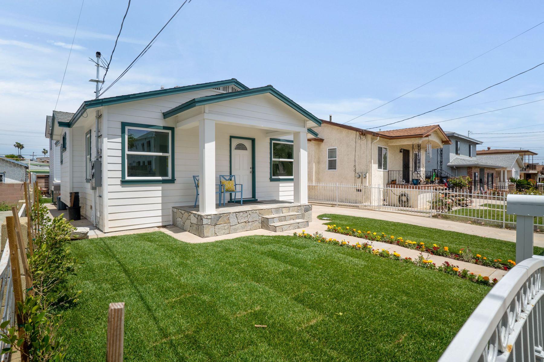 Duplex Homes por un Venta en 872 West 2nd Street, San Pedro, CA 90731 872 West 2nd Street San Pedro, California 90731 Estados Unidos