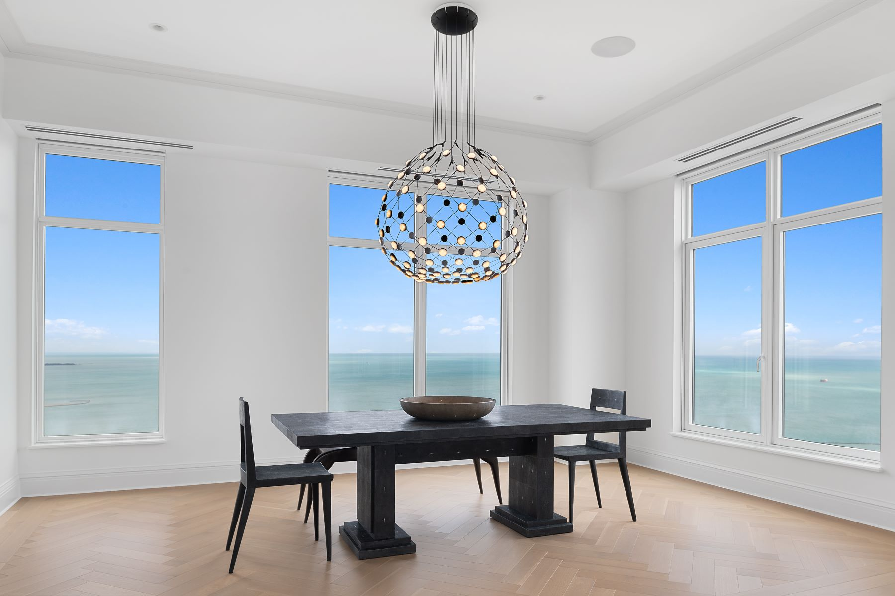 Condominiums for Active at Blue Water Vistas of Lake Michigan, Chicago River & DuSable Harbor! 451 E Grand Avenue Unit 5710 Chicago, Illinois 60611 United States